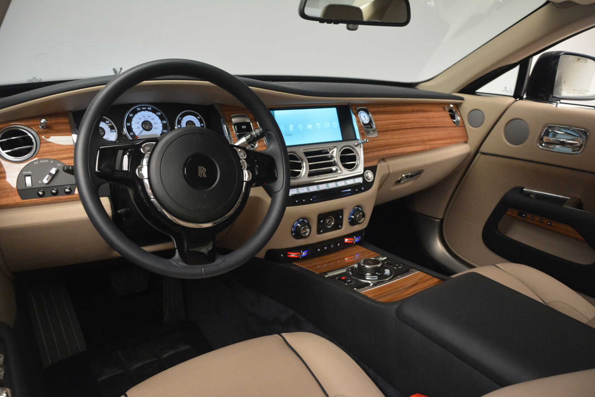 Used 2015 Rolls-Royce Wraith  For Sale In Greenwich, CT. Alfa Romeo of Greenwich, 7170 1013_p16