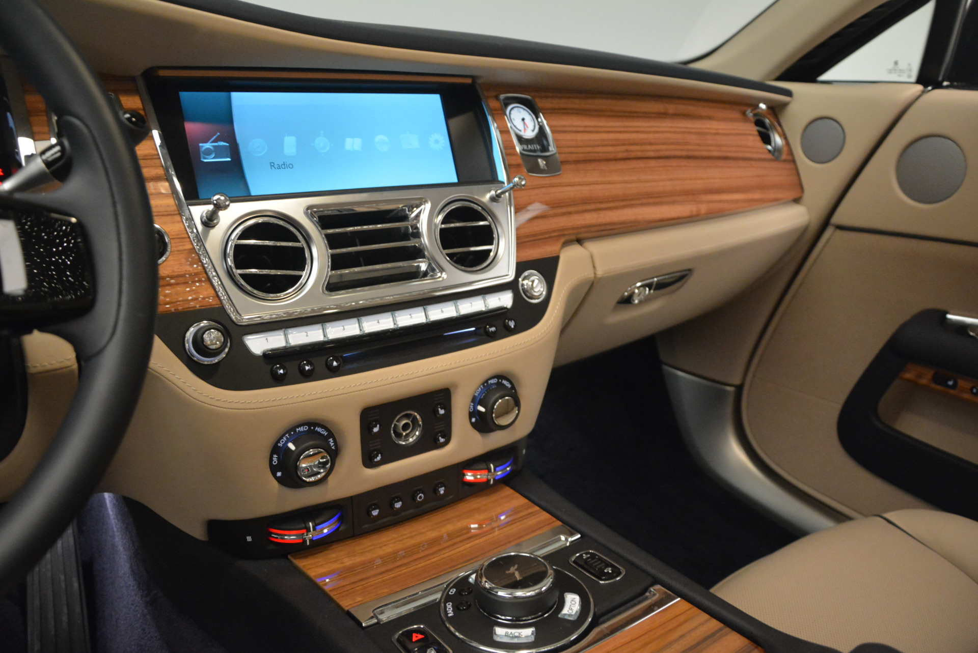 Used 2015 Rolls-Royce Wraith  For Sale In Greenwich, CT. Alfa Romeo of Greenwich, 7170 1013_p19