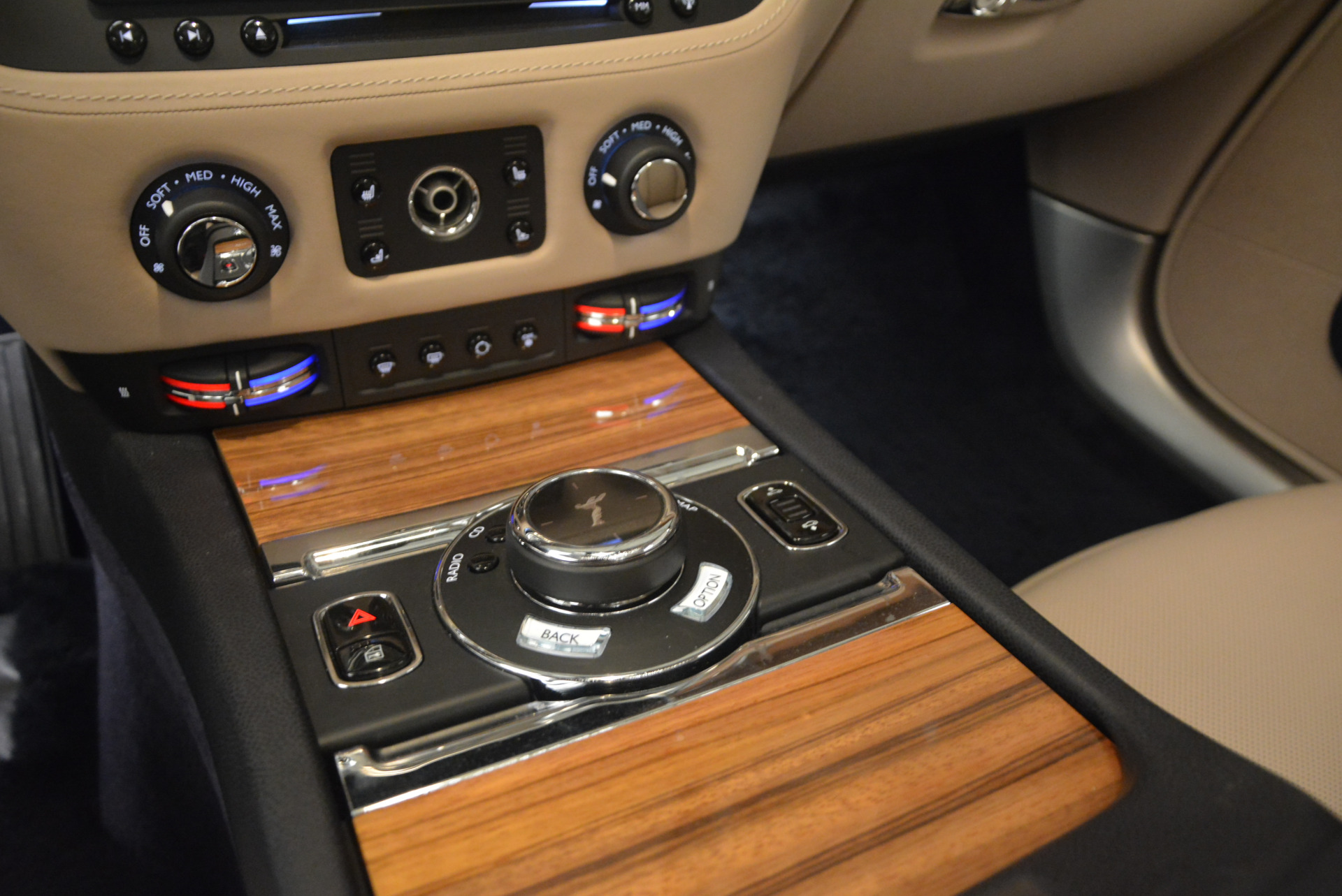 Used 2015 Rolls-Royce Wraith  For Sale In Greenwich, CT. Alfa Romeo of Greenwich, 7170 1013_p21