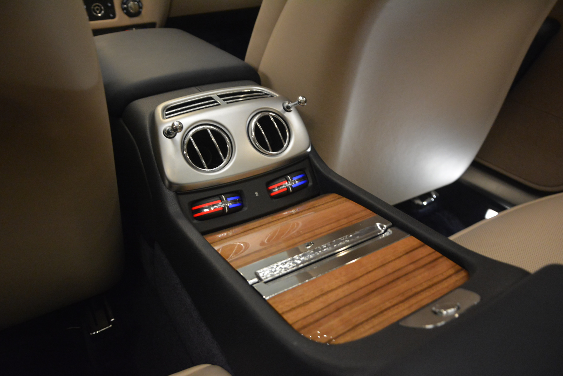 Used 2015 Rolls-Royce Wraith  For Sale In Greenwich, CT. Alfa Romeo of Greenwich, 7170 1013_p24