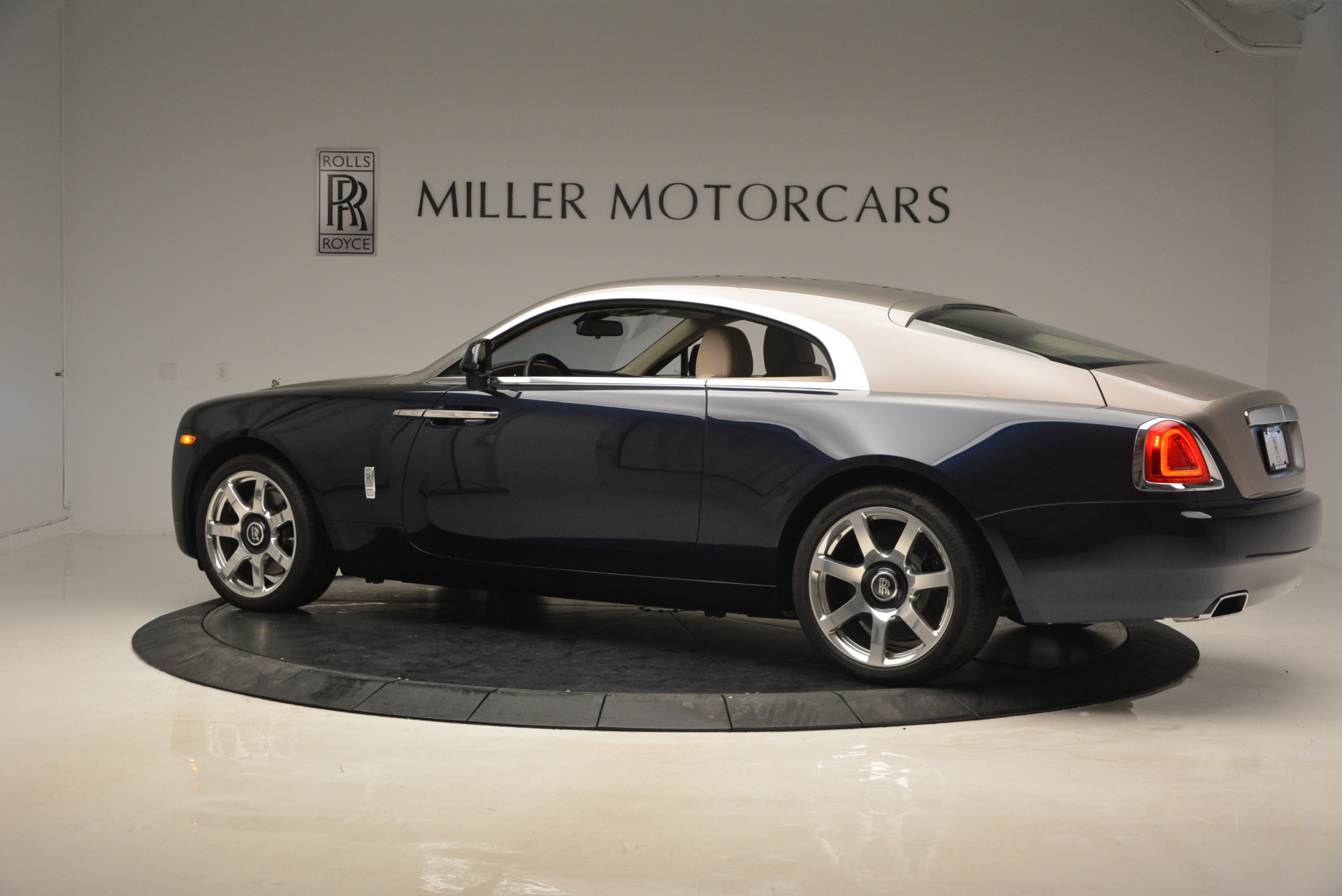 Used 2015 Rolls-Royce Wraith  For Sale In Greenwich, CT. Alfa Romeo of Greenwich, 7170 1013_p4