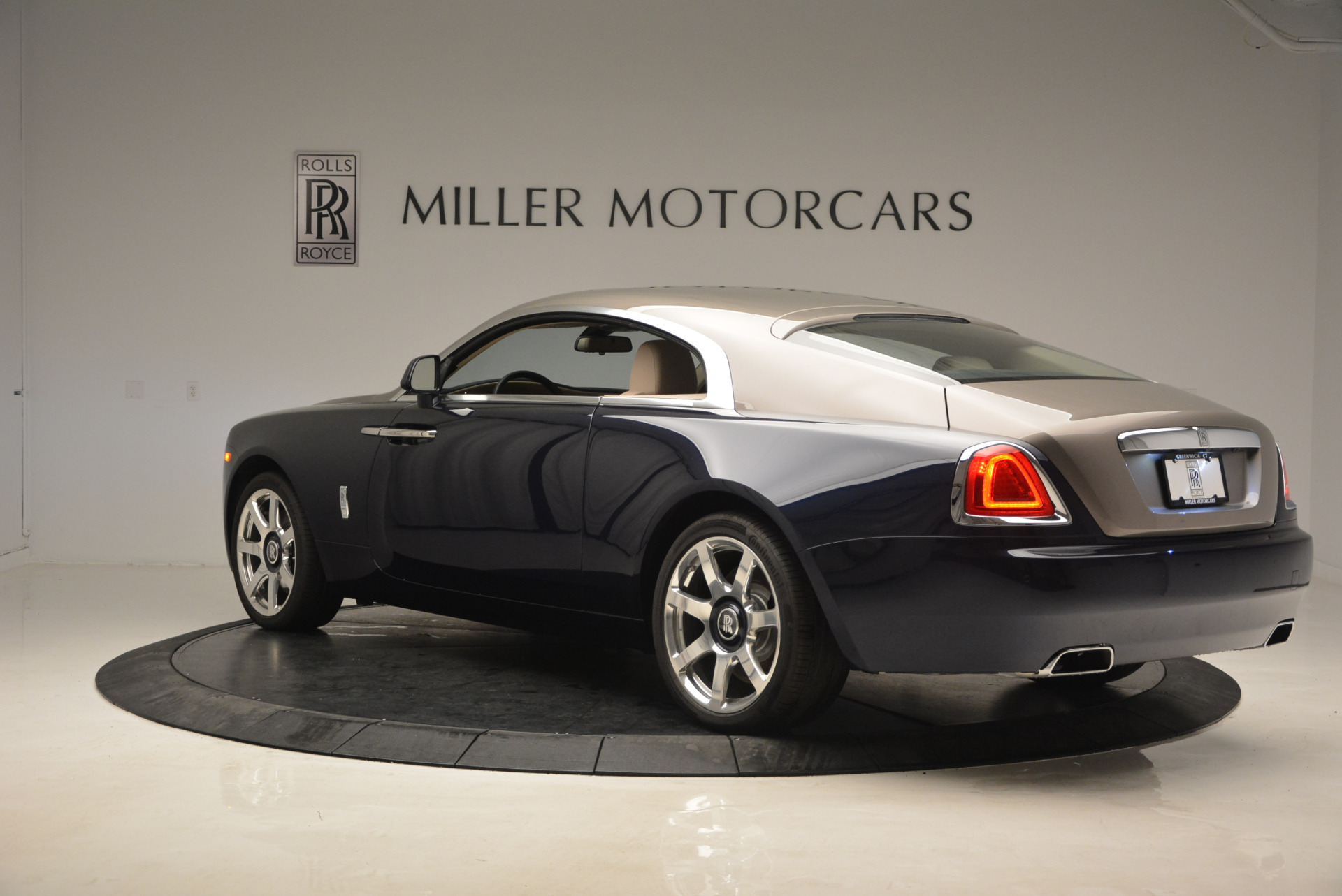 Used 2015 Rolls-Royce Wraith  For Sale In Greenwich, CT. Alfa Romeo of Greenwich, 7170 1013_p5
