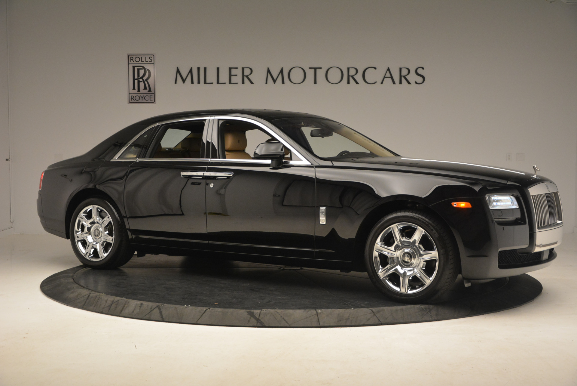 Used 2013 Rolls-Royce Ghost  For Sale In Greenwich, CT. Alfa Romeo of Greenwich, 7169 1014_p10