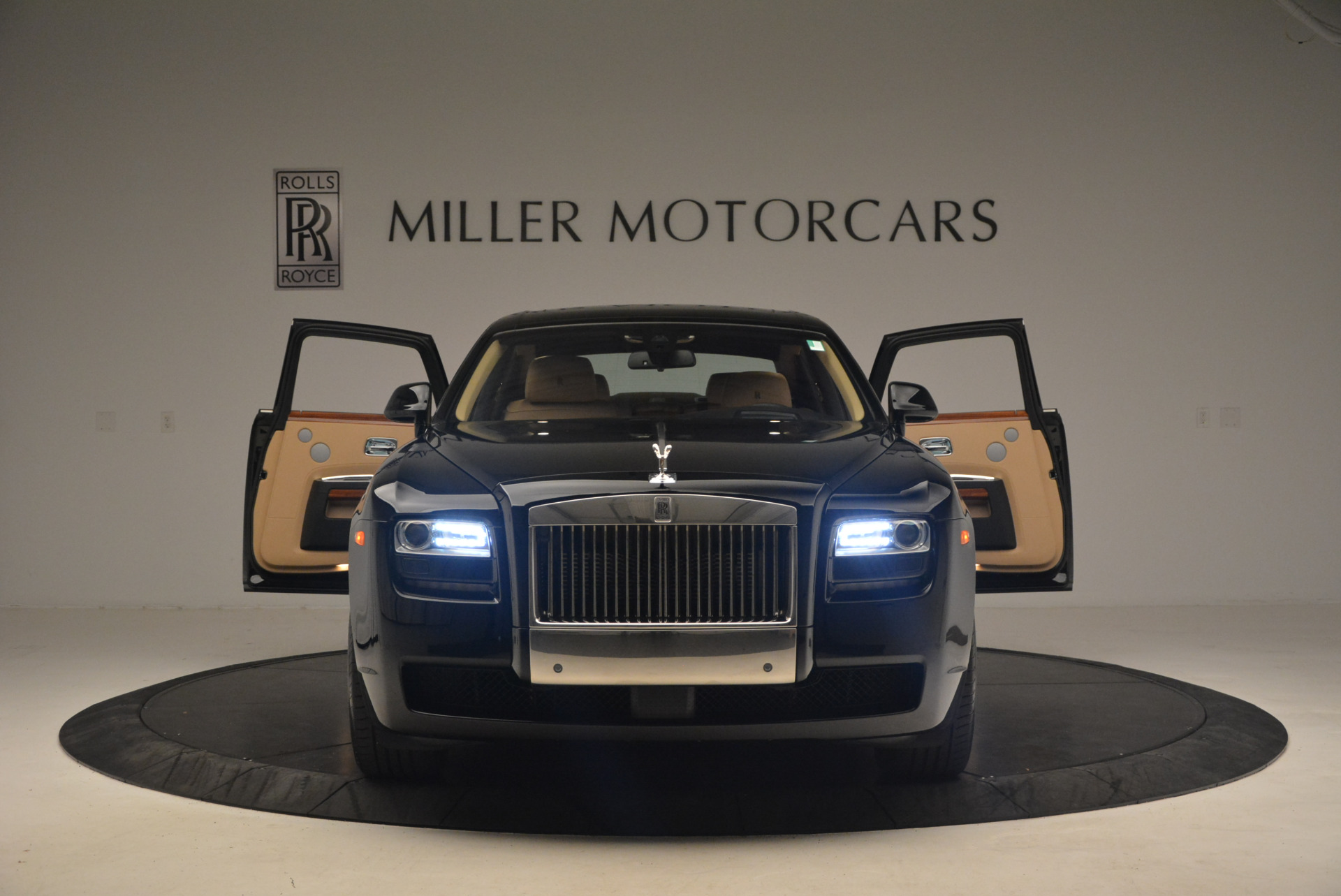 Used 2013 Rolls-Royce Ghost  For Sale In Greenwich, CT. Alfa Romeo of Greenwich, 7169 1014_p13