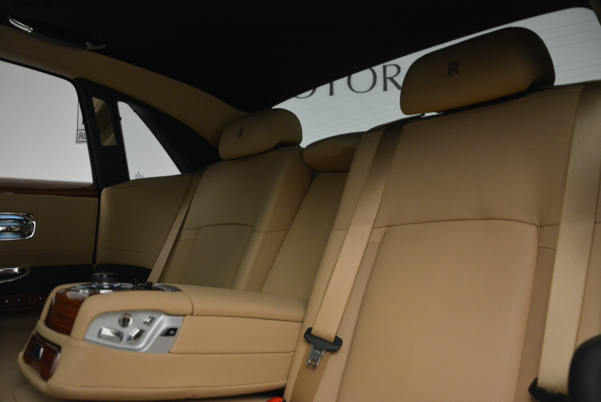Used 2013 Rolls-Royce Ghost  For Sale In Greenwich, CT. Alfa Romeo of Greenwich, 7169 1014_p20
