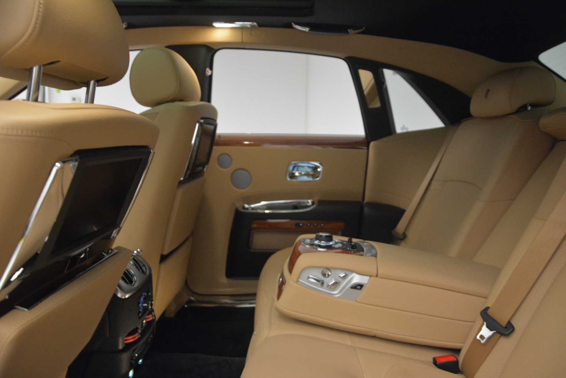 Used 2013 Rolls-Royce Ghost  For Sale In Greenwich, CT. Alfa Romeo of Greenwich, 7169 1014_p21