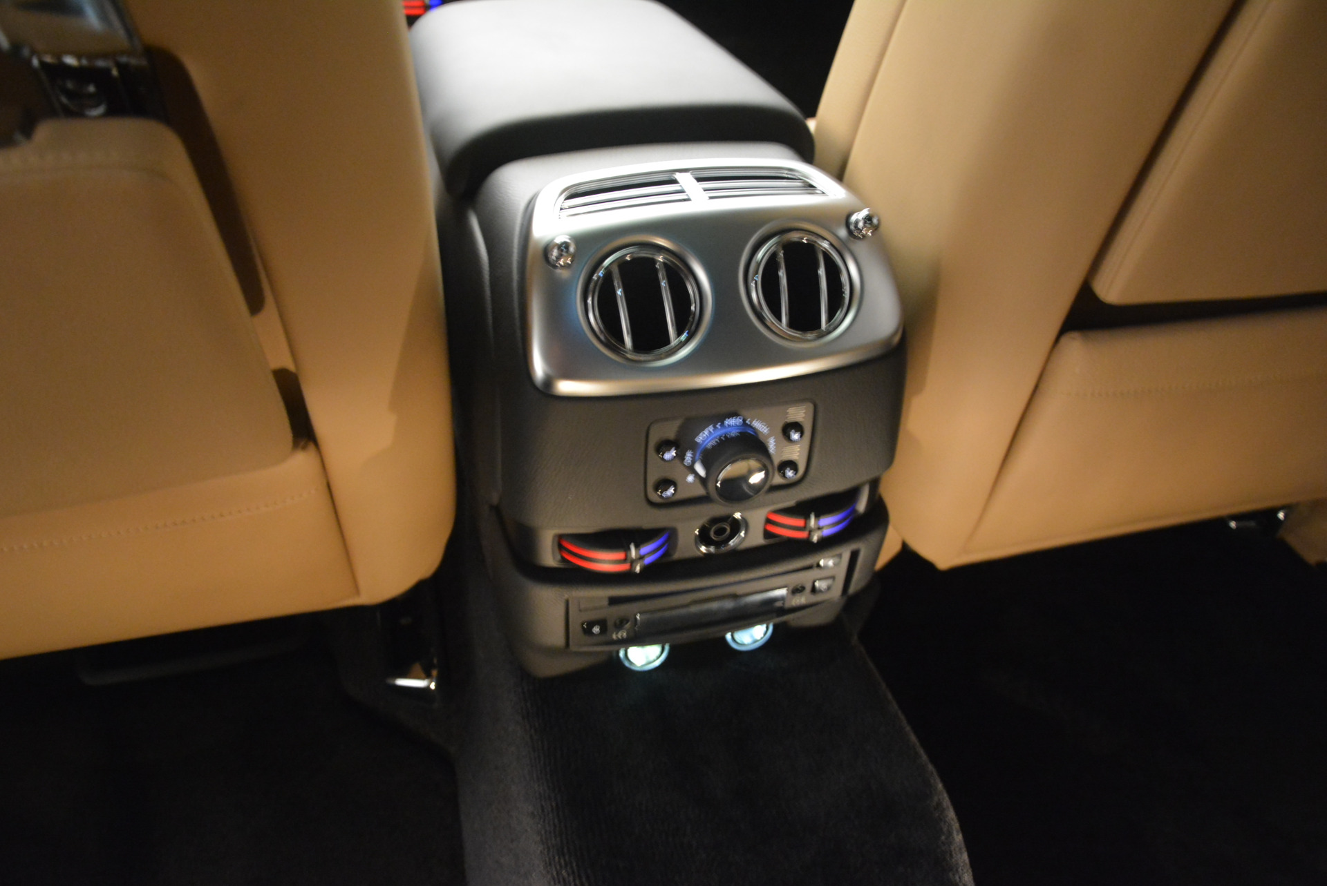 Used 2013 Rolls-Royce Ghost  For Sale In Greenwich, CT. Alfa Romeo of Greenwich, 7169 1014_p23