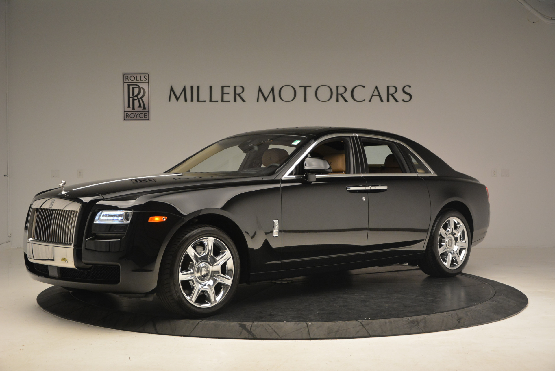 Used 2013 Rolls-Royce Ghost  For Sale In Greenwich, CT. Alfa Romeo of Greenwich, 7169 1014_p2