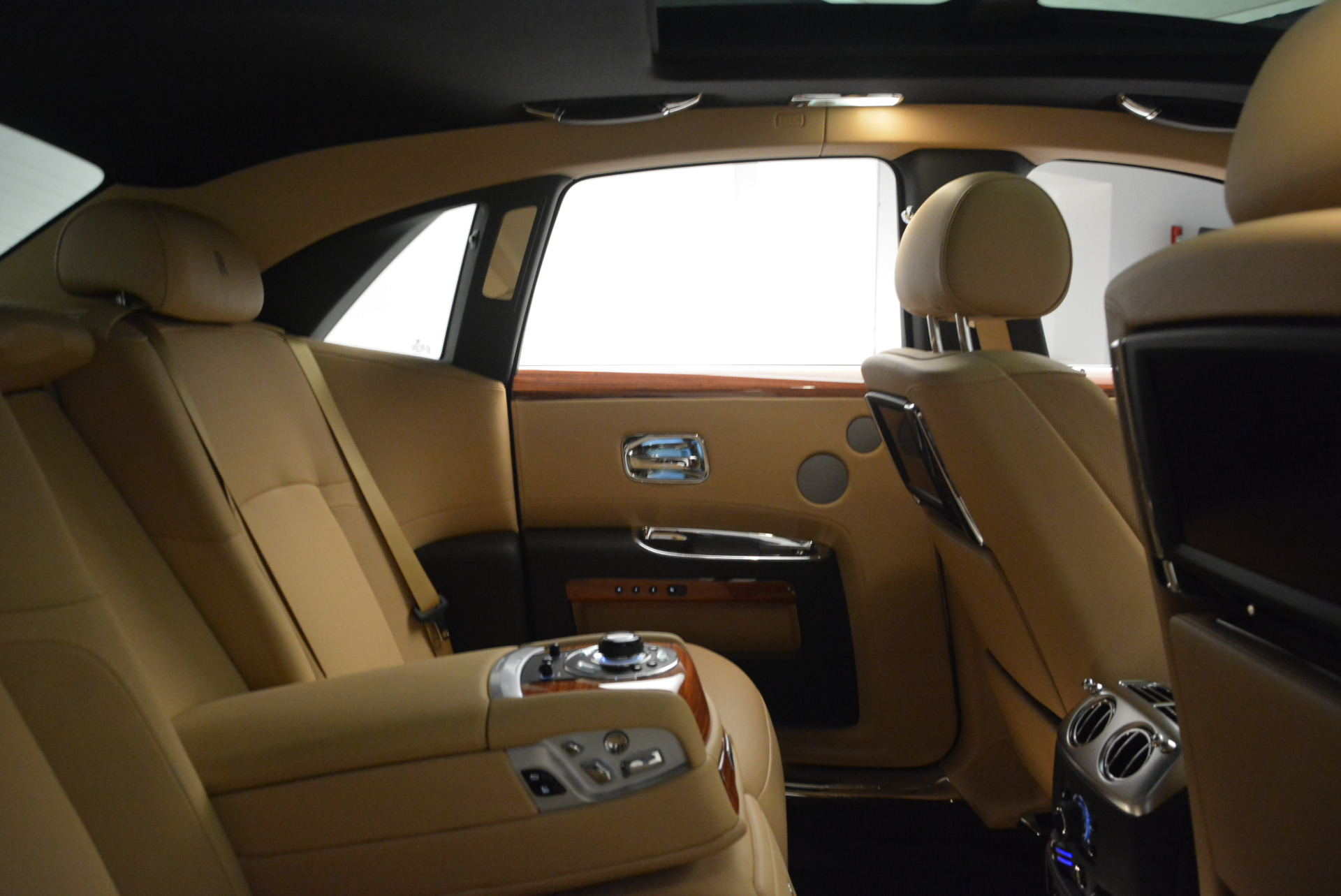 Used 2013 Rolls-Royce Ghost  For Sale In Greenwich, CT. Alfa Romeo of Greenwich, 7169 1014_p32