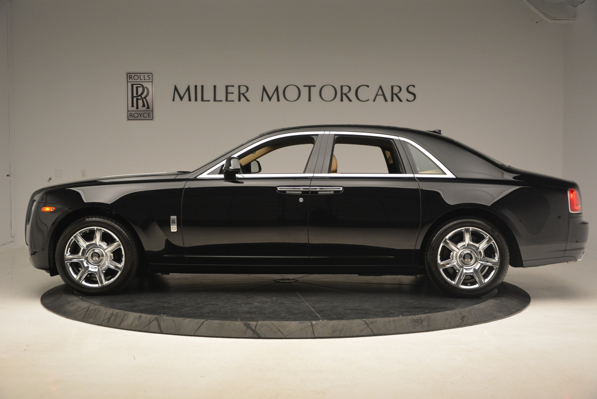 Used 2013 Rolls-Royce Ghost  For Sale In Greenwich, CT. Alfa Romeo of Greenwich, 7169 1014_p3