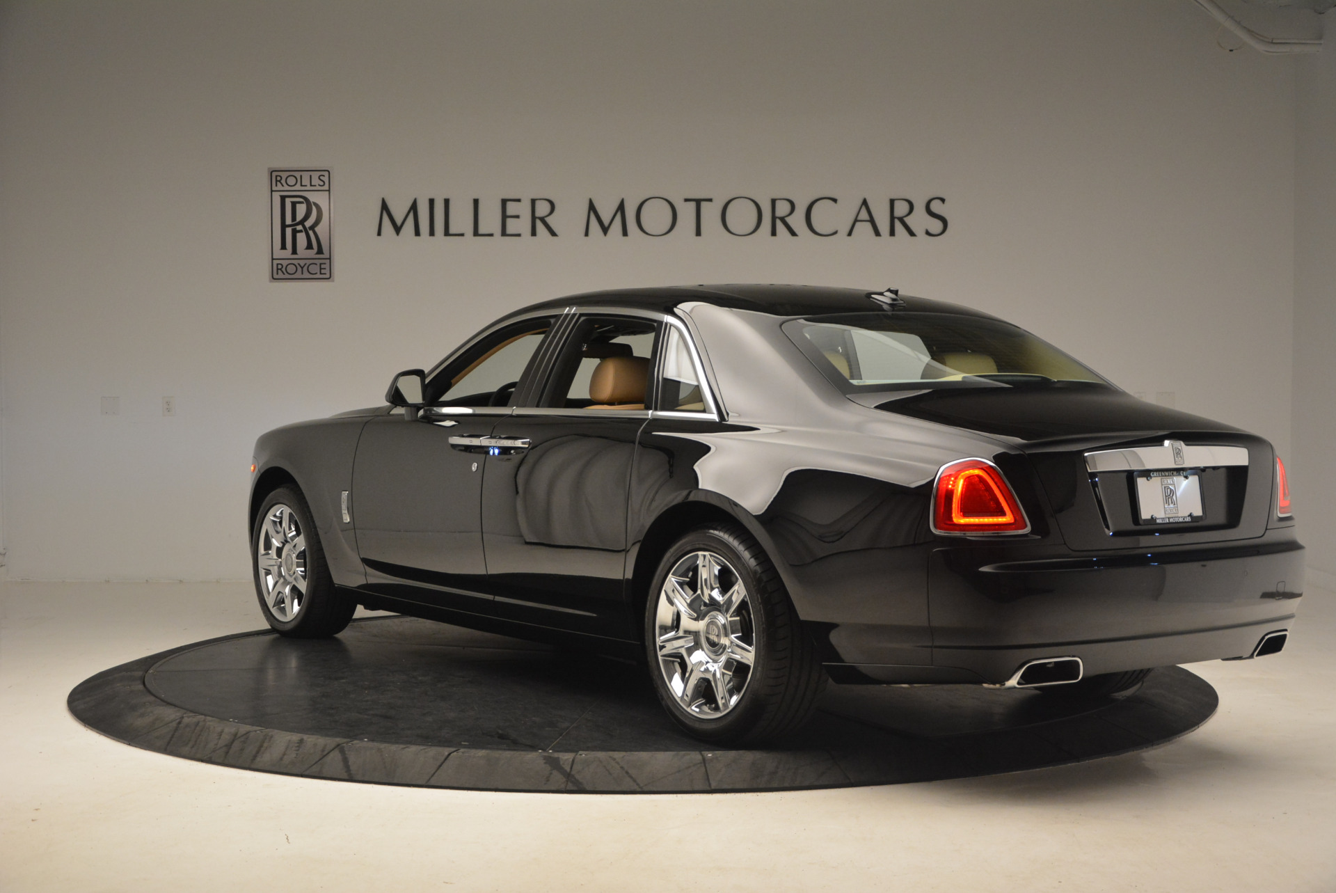 Used 2013 Rolls-Royce Ghost  For Sale In Greenwich, CT. Alfa Romeo of Greenwich, 7169 1014_p4