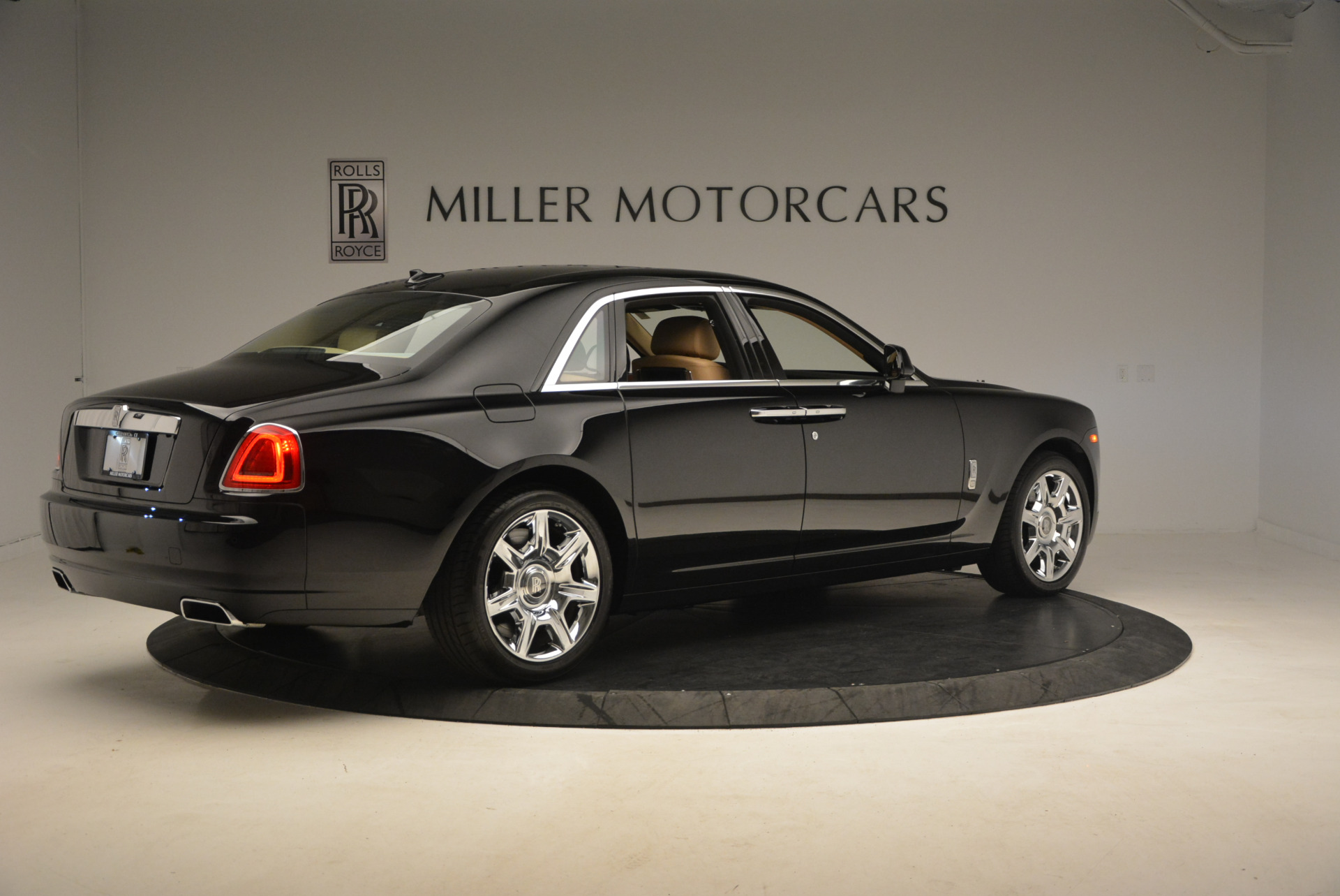 Used 2013 Rolls-Royce Ghost  For Sale In Greenwich, CT. Alfa Romeo of Greenwich, 7169 1014_p8