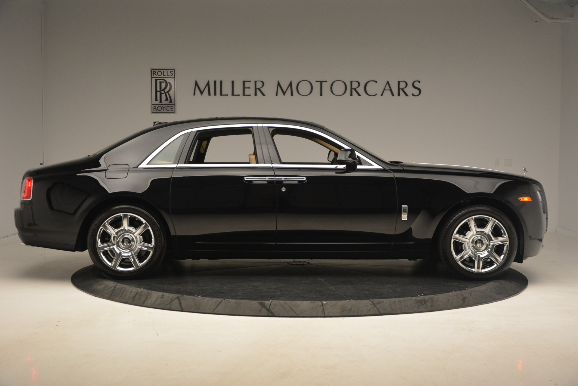 Used 2013 Rolls-Royce Ghost  For Sale In Greenwich, CT. Alfa Romeo of Greenwich, 7169 1014_p9