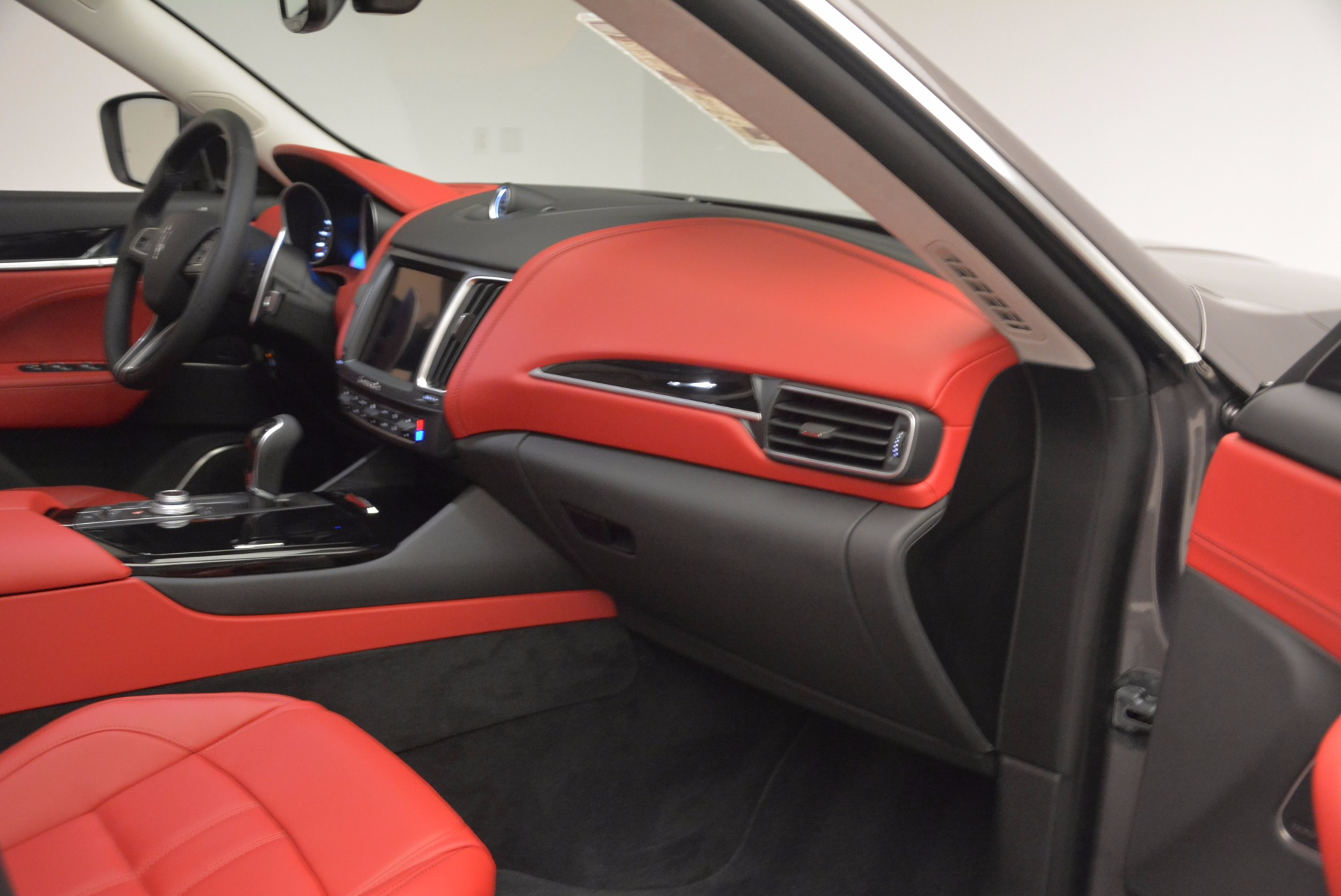 New 2017 Maserati Levante  For Sale In Greenwich, CT. Alfa Romeo of Greenwich, M1814 1017_p22