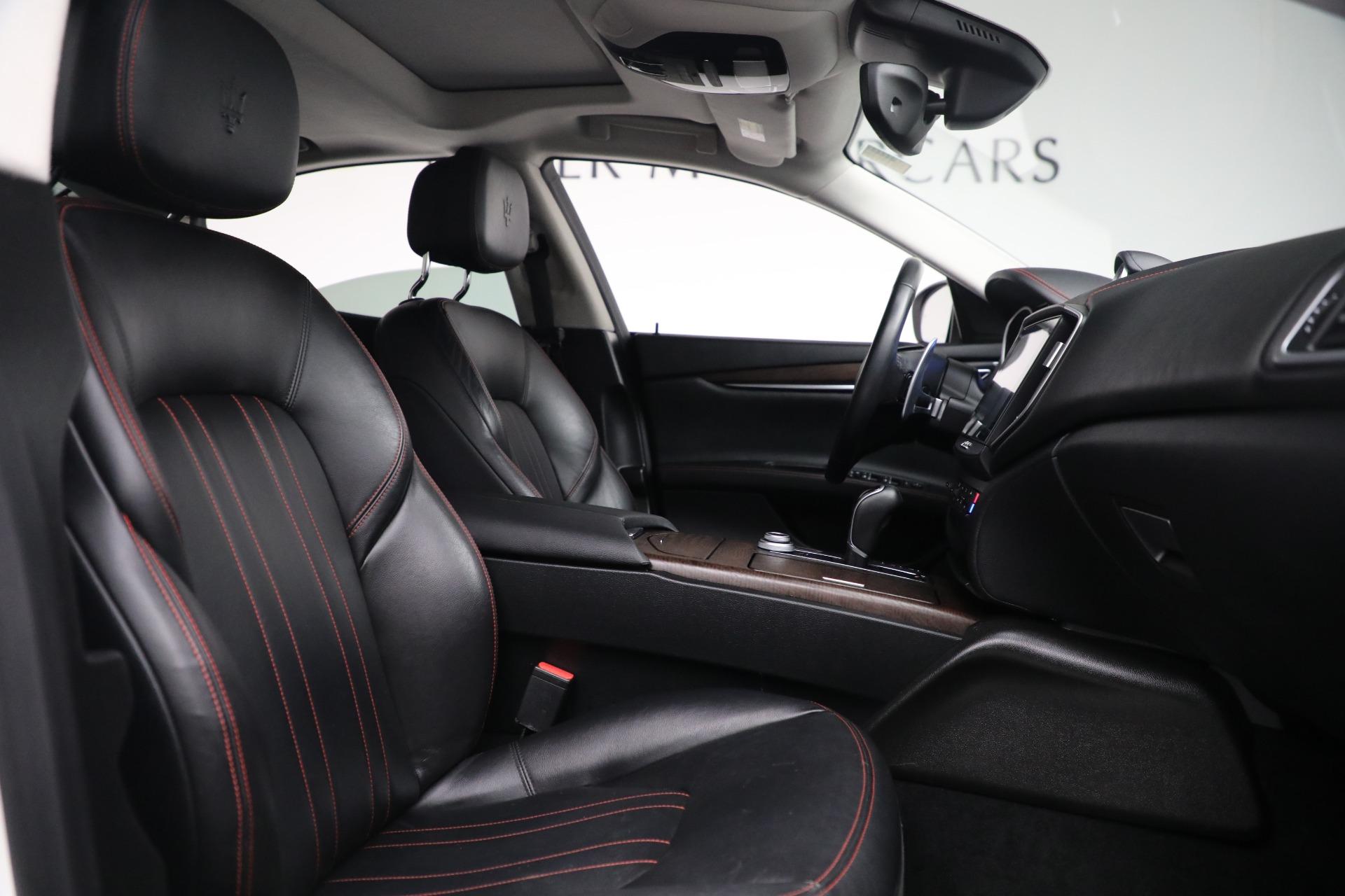 New 2017 Maserati Ghibli S Q4 EX-Loaner For Sale In Greenwich, CT. Alfa Romeo of Greenwich, M1811 1019_p22