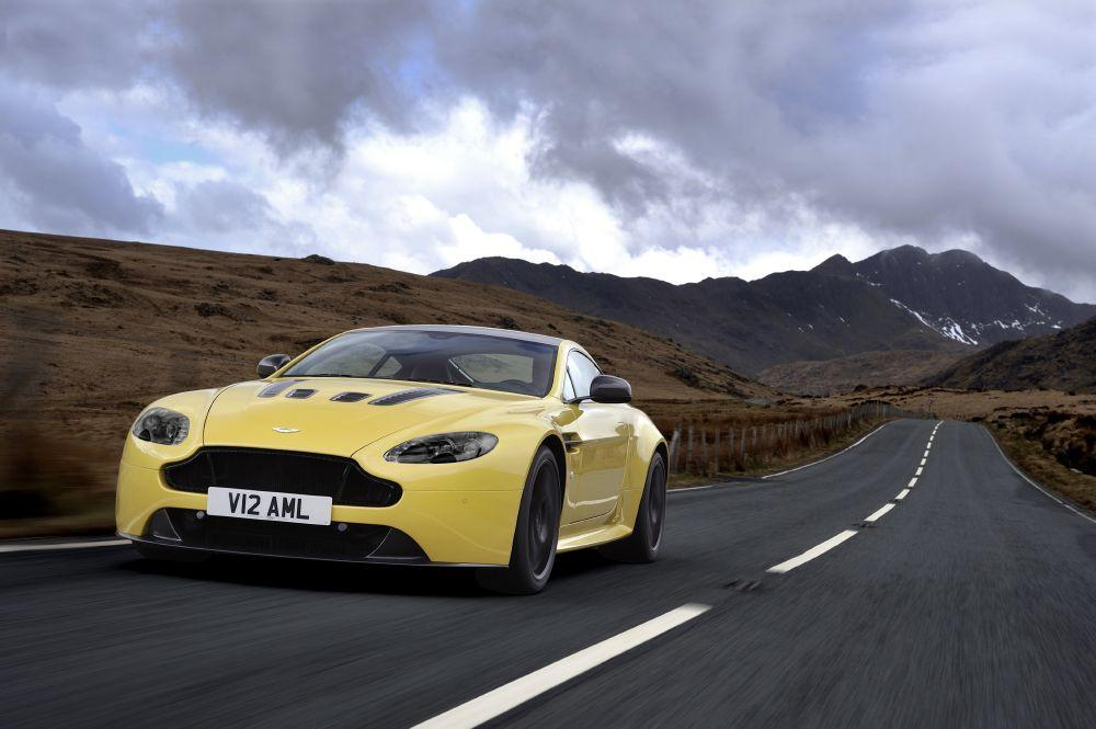 New 2017 Aston Martin V12 Vantage S  For Sale In Greenwich, CT. Alfa Romeo of Greenwich,