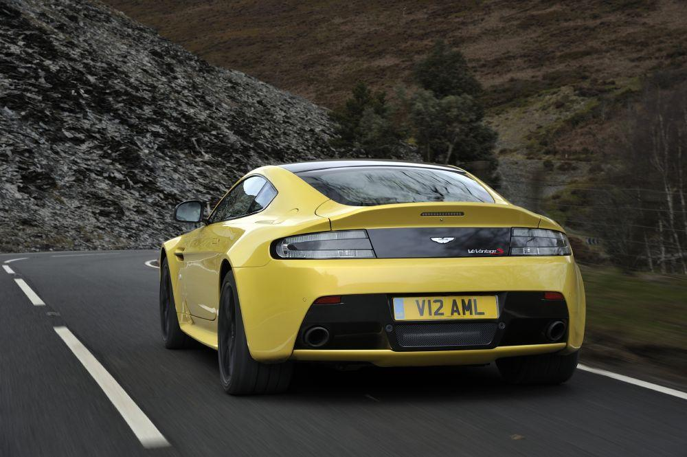 New 2017 Aston Martin V12 Vantage S  For Sale In Greenwich, CT. Alfa Romeo of Greenwich,  102_p6