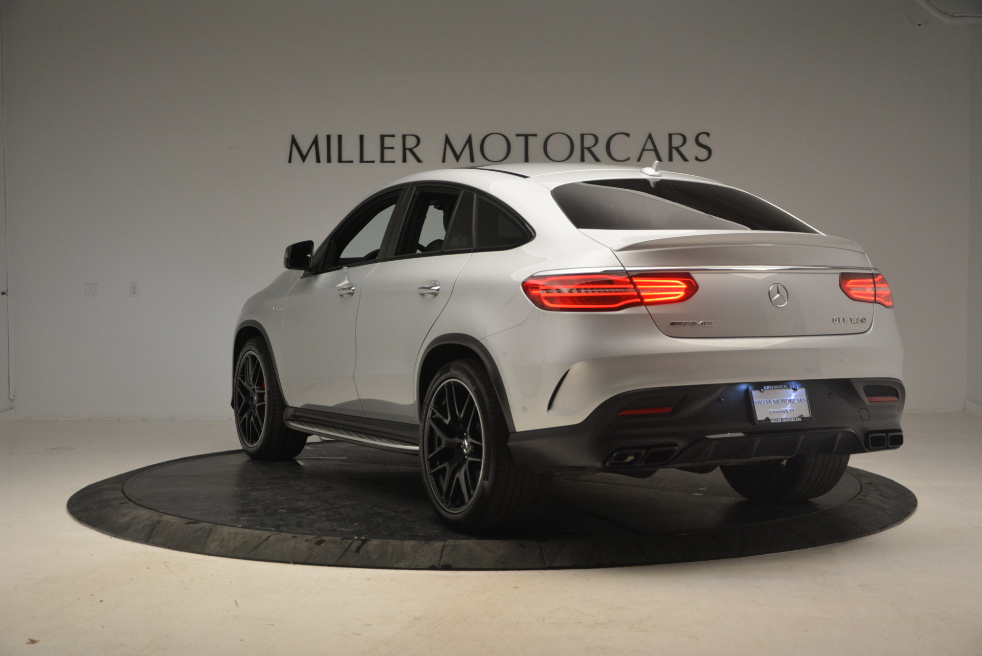Used 2016 Mercedes Benz AMG GLE63 S For Sale In Greenwich, CT. Alfa Romeo of Greenwich, F1763A 1025_p5