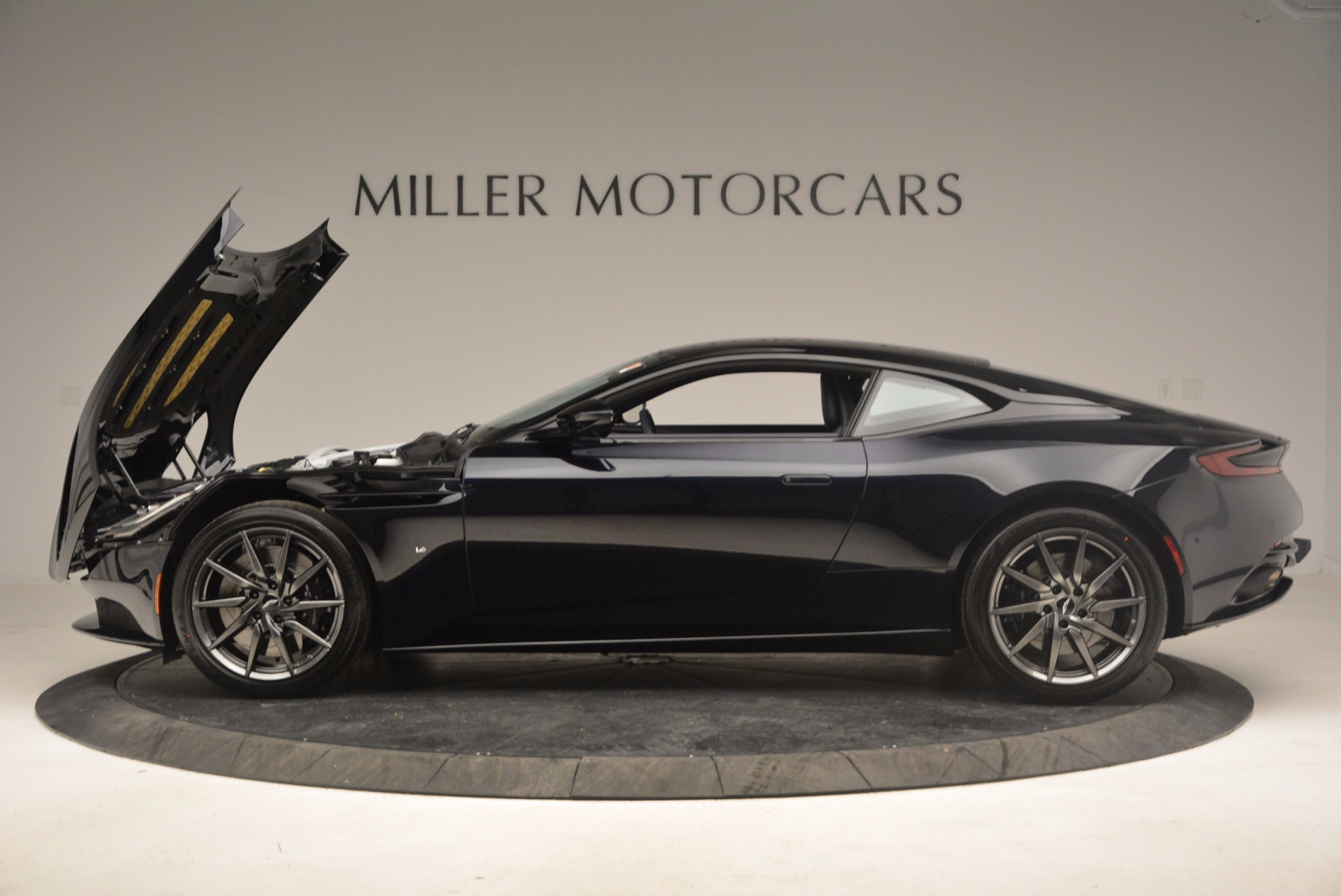 Used 2017 Aston Martin DB11 V12 Coupe For Sale $176900 In Greenwich, CT 1026_p19
