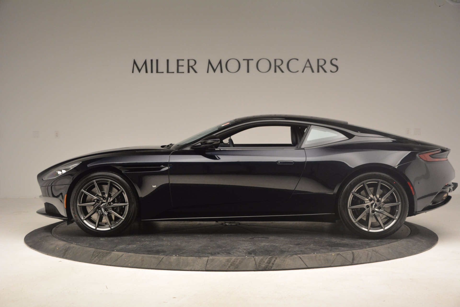 Used 2017 Aston Martin DB11 V12 Coupe For Sale $176900 In Greenwich, CT 1026_p3