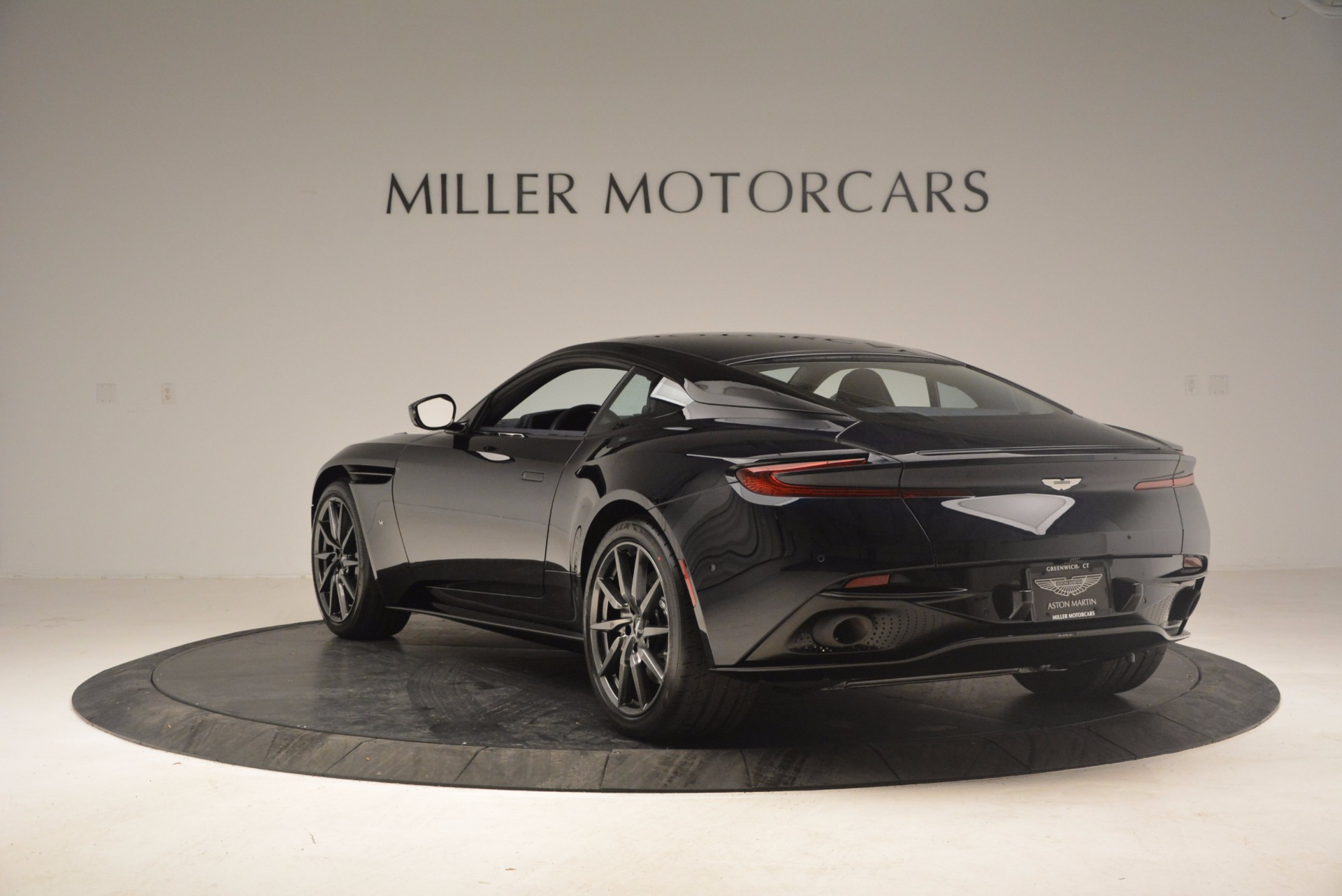 Used 2017 Aston Martin DB11 V12 Coupe For Sale $176900 In Greenwich, CT 1026_p5