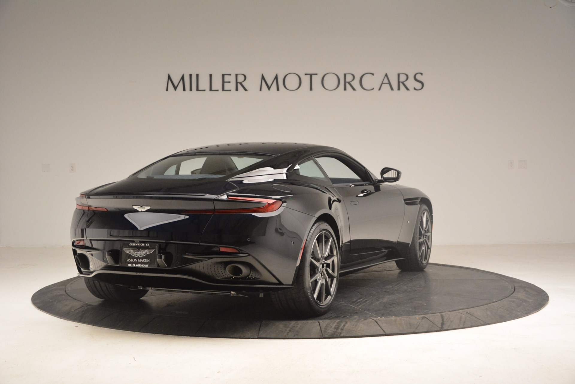 Used 2017 Aston Martin DB11 V12 Coupe For Sale $176900 In Greenwich, CT 1026_p7