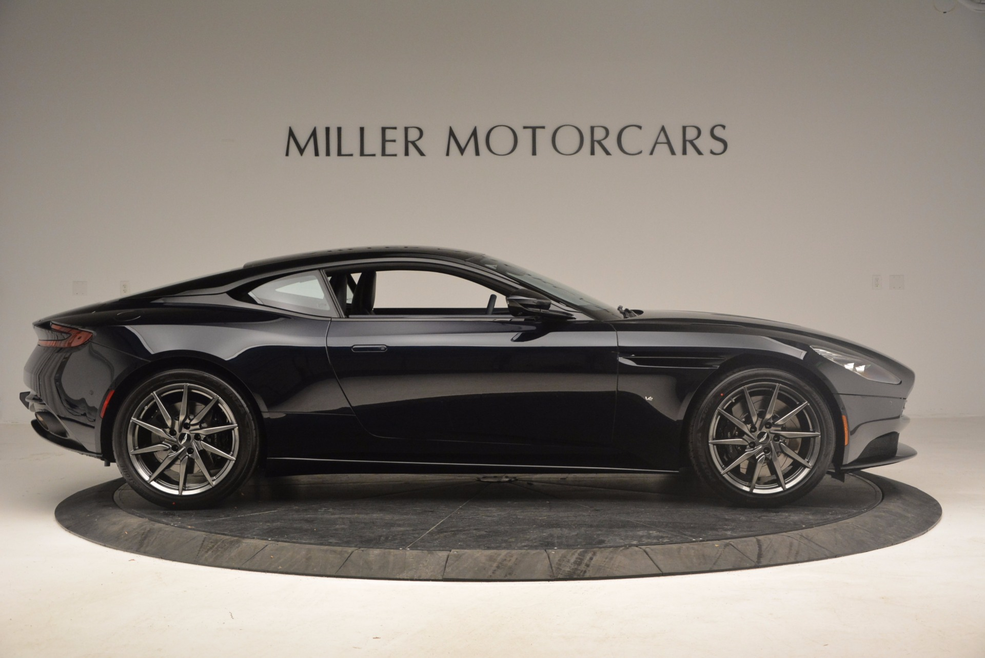 Used 2017 Aston Martin DB11 V12 Coupe For Sale $176900 In Greenwich, CT 1026_p9