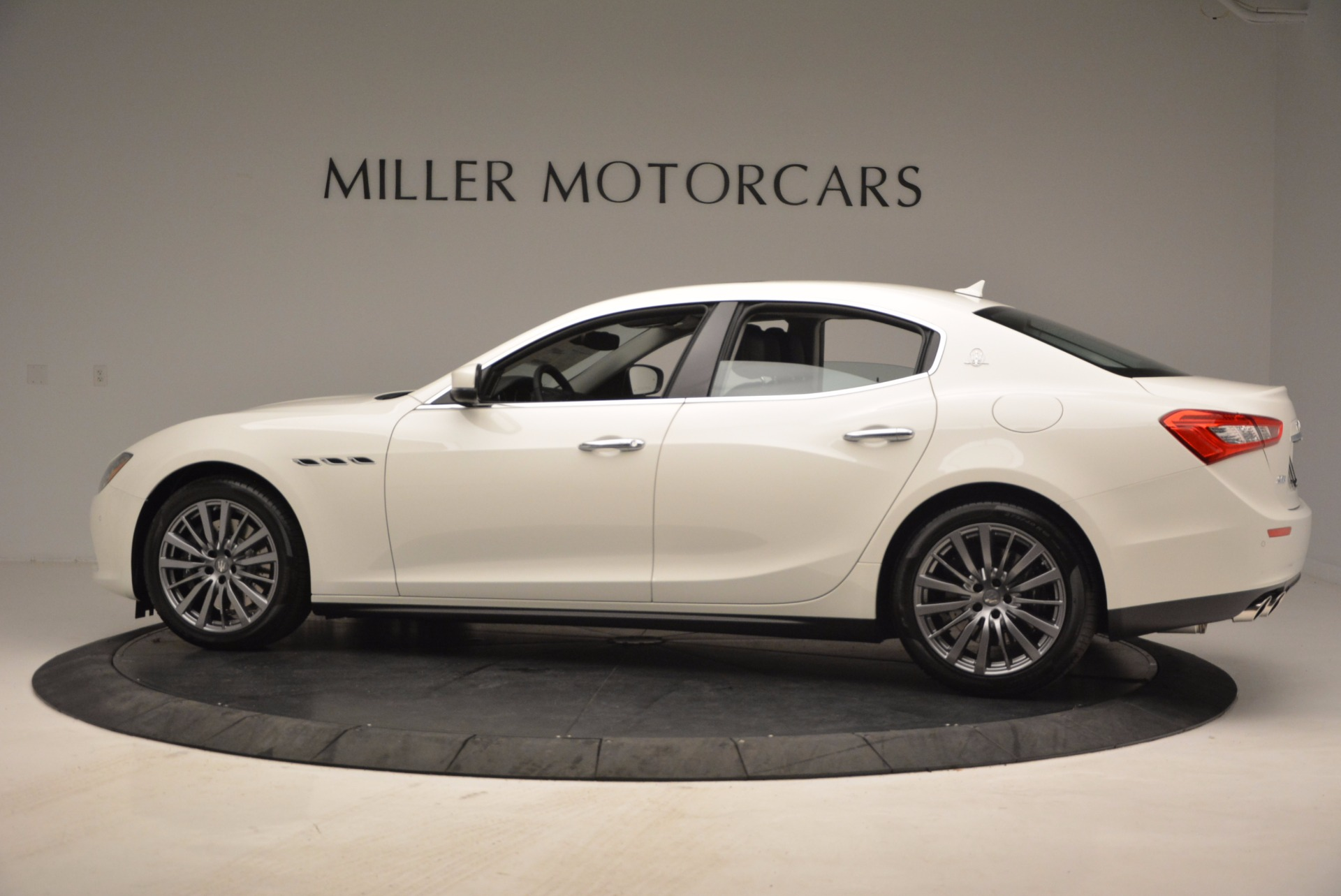 New 2017 Maserati Ghibli S Q4 EX-Loaner For Sale In Greenwich, CT. Alfa Romeo of Greenwich, M1865 1031_p4