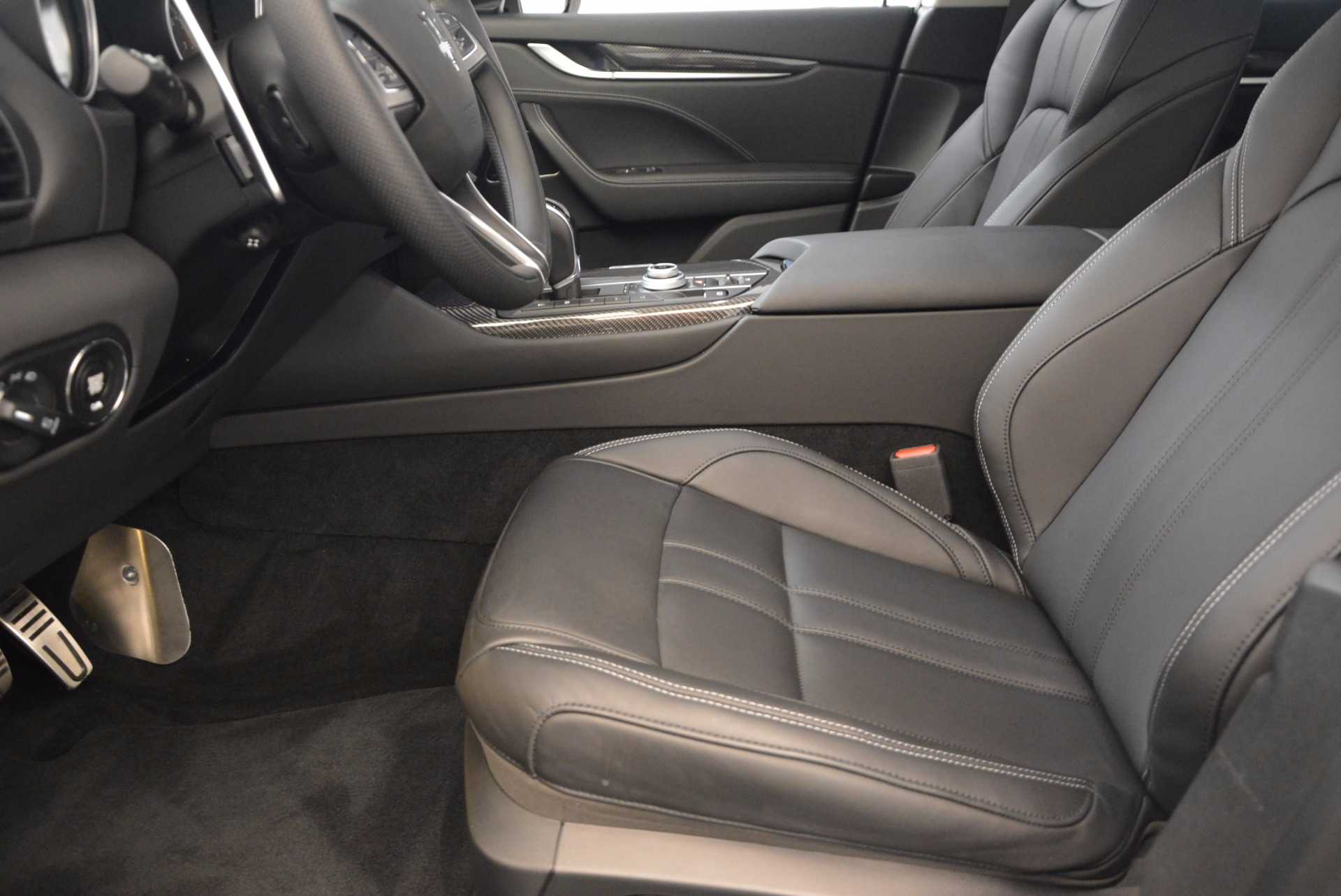 Used 2017 Maserati Levante  For Sale In Greenwich, CT. Alfa Romeo of Greenwich, 7490A 1046_p14