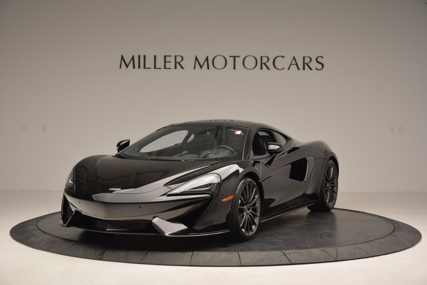 Used 2017 McLaren 570GT  For Sale In Greenwich, CT. Alfa Romeo of Greenwich, MC292 1055_main