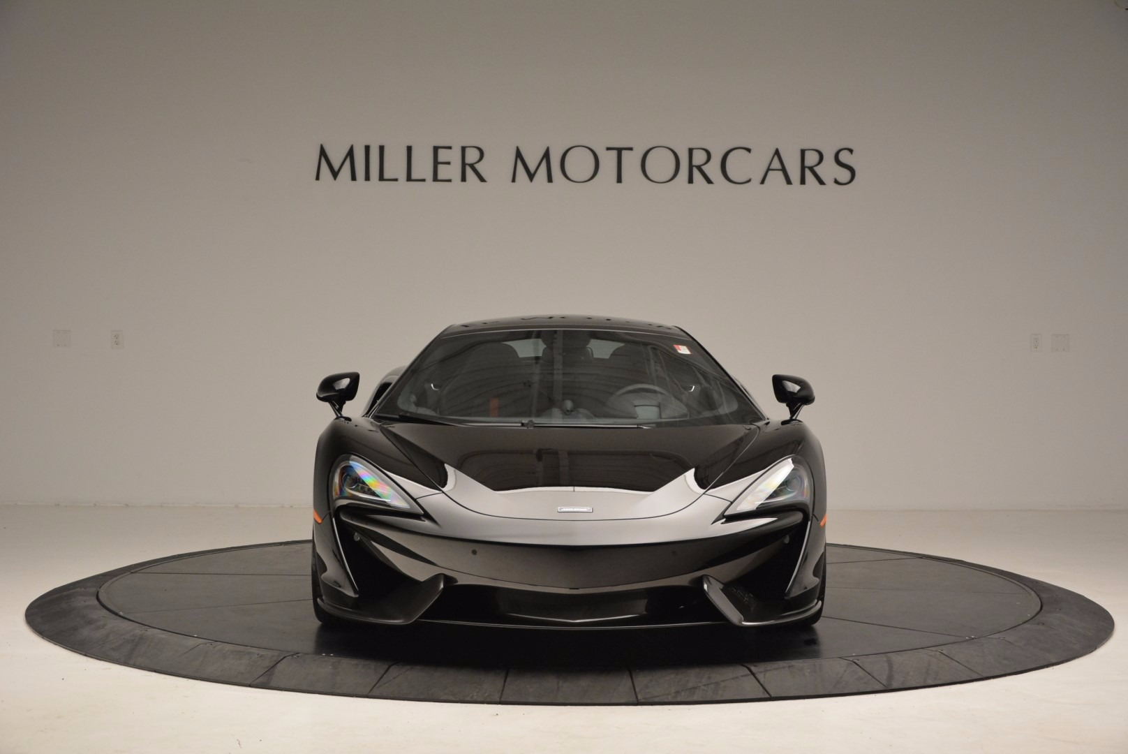 Used 2017 McLaren 570GT  For Sale In Greenwich, CT. Alfa Romeo of Greenwich, MC292 1055_p12