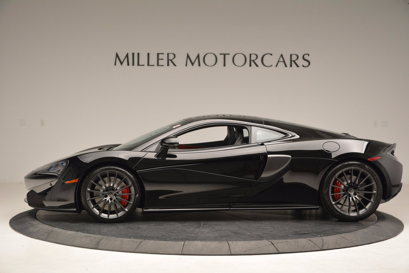 Used 2017 McLaren 570GT  For Sale In Greenwich, CT. Alfa Romeo of Greenwich, MC292 1055_p3