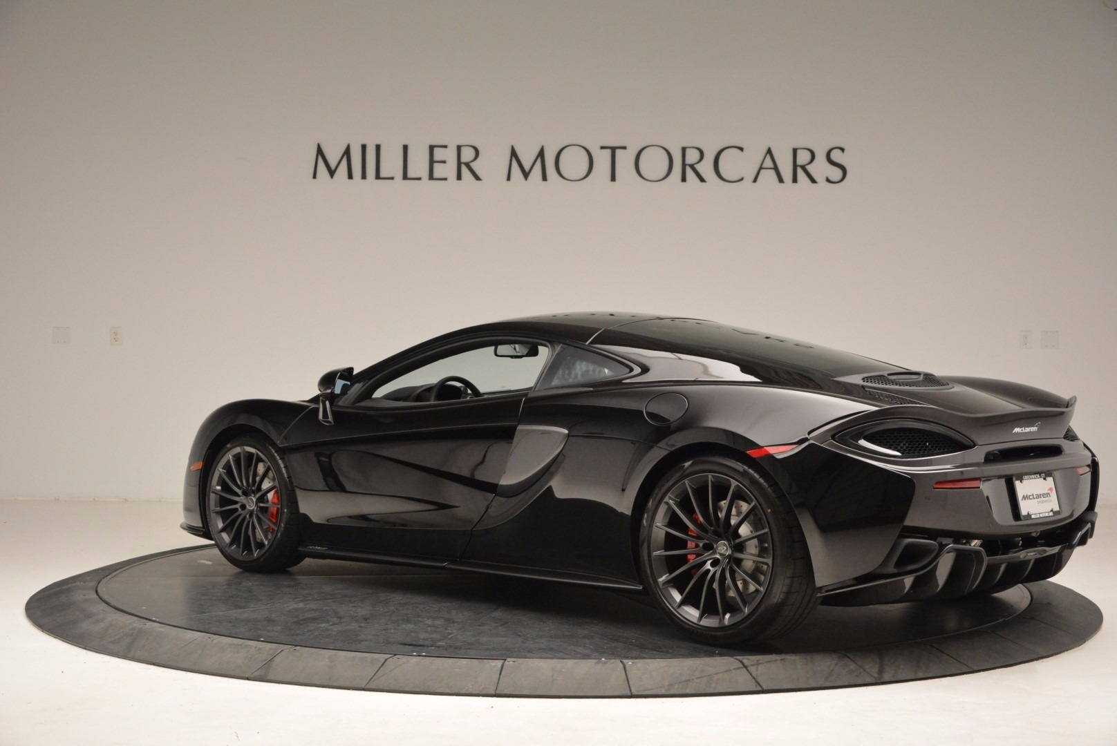 Used 2017 McLaren 570GT  For Sale In Greenwich, CT. Alfa Romeo of Greenwich, MC292 1055_p4