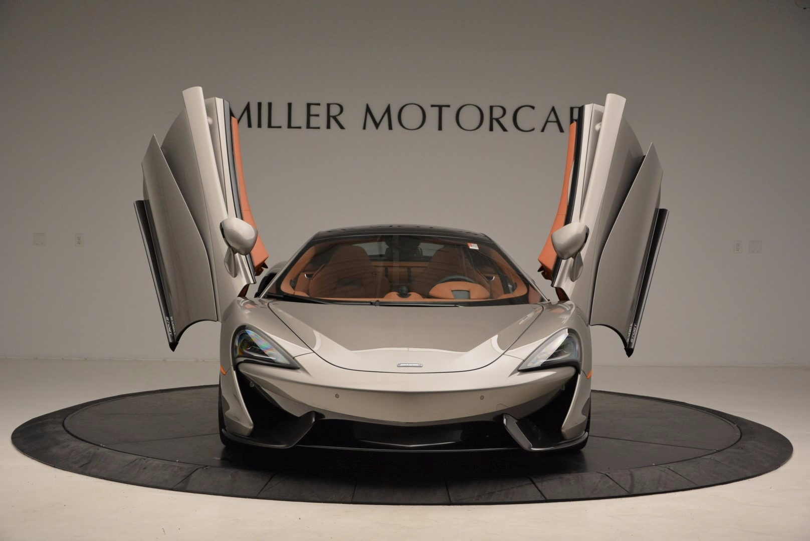 Used 2017 McLaren 570GT  For Sale In Greenwich, CT. Alfa Romeo of Greenwich, 3144 1056_p13