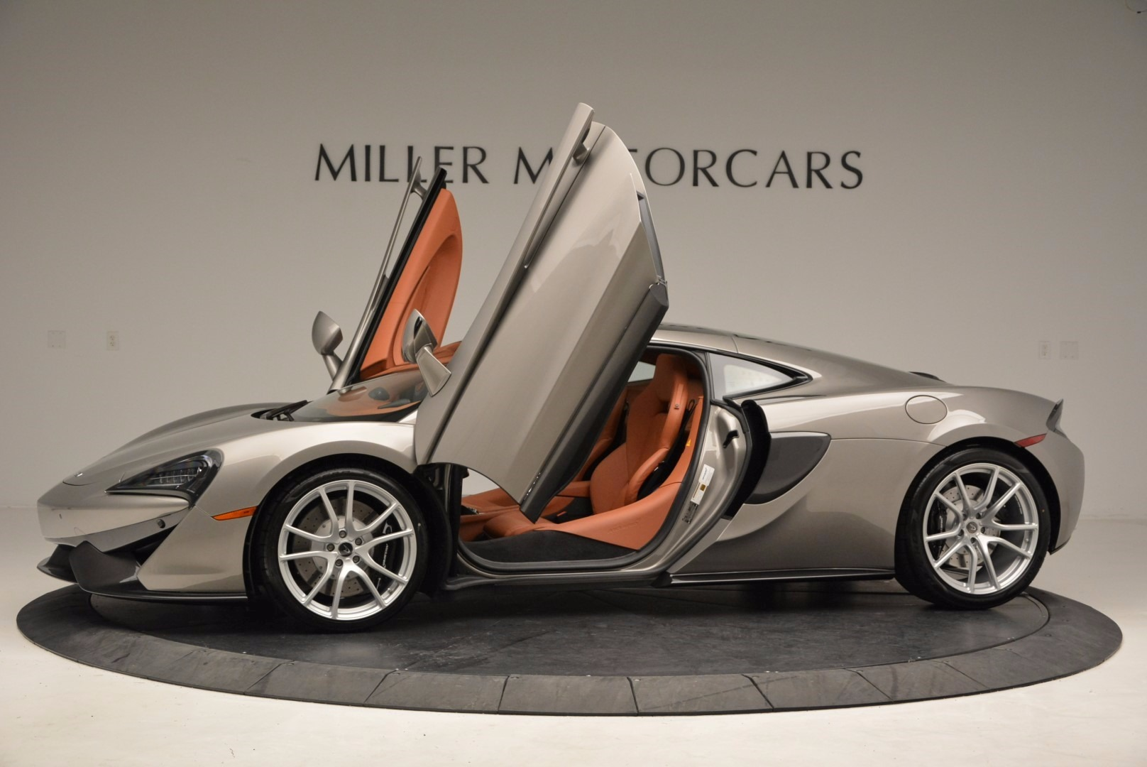 Used 2017 McLaren 570GT  For Sale In Greenwich, CT. Alfa Romeo of Greenwich, 3144 1056_p14