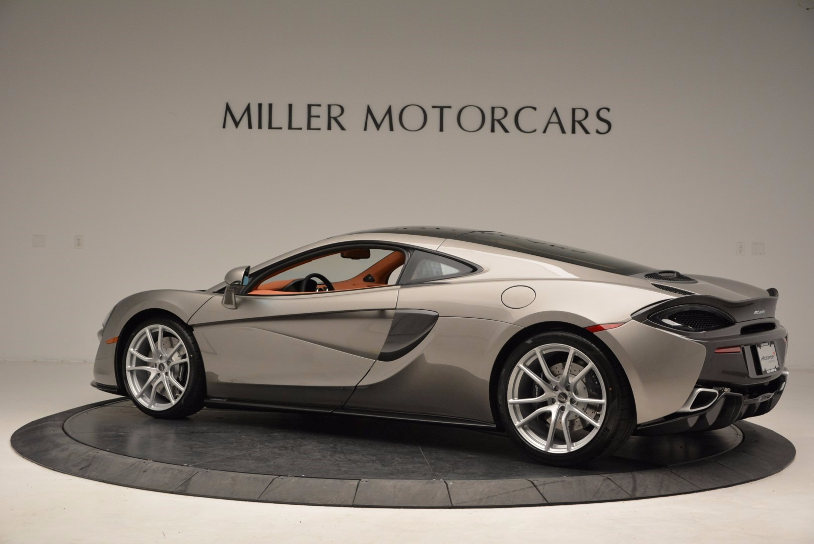 Used 2017 McLaren 570GT  For Sale In Greenwich, CT. Alfa Romeo of Greenwich, 3144 1056_p4