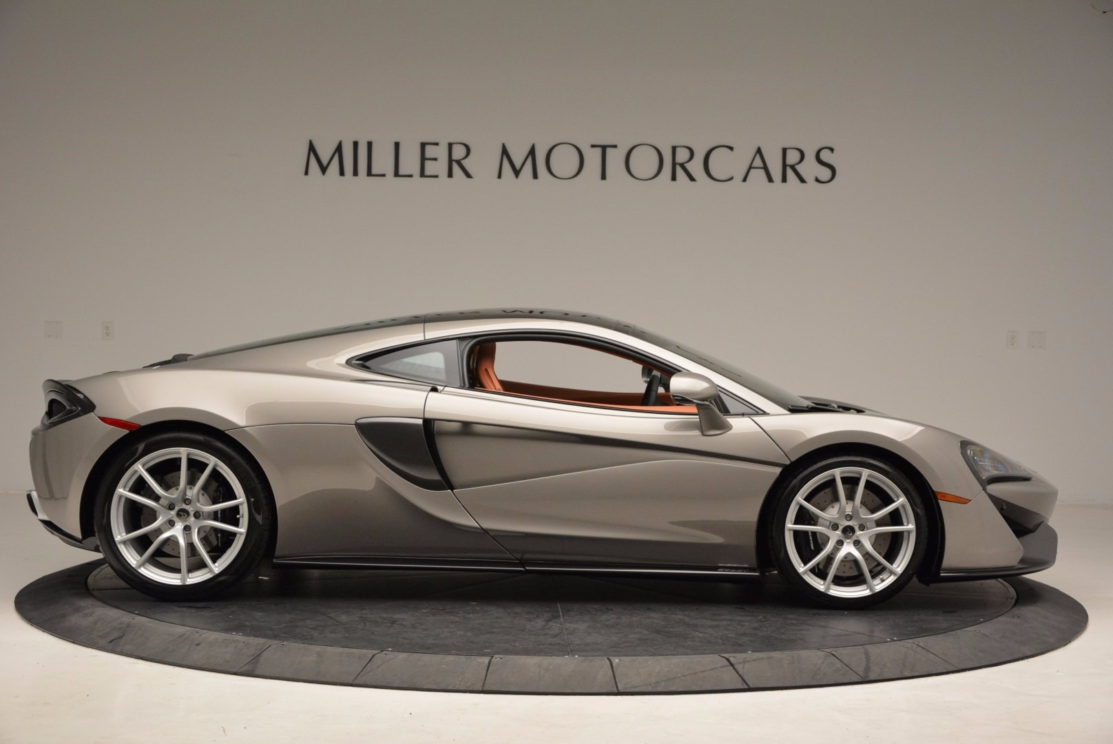 Used 2017 McLaren 570GT  For Sale In Greenwich, CT. Alfa Romeo of Greenwich, 3144 1056_p9