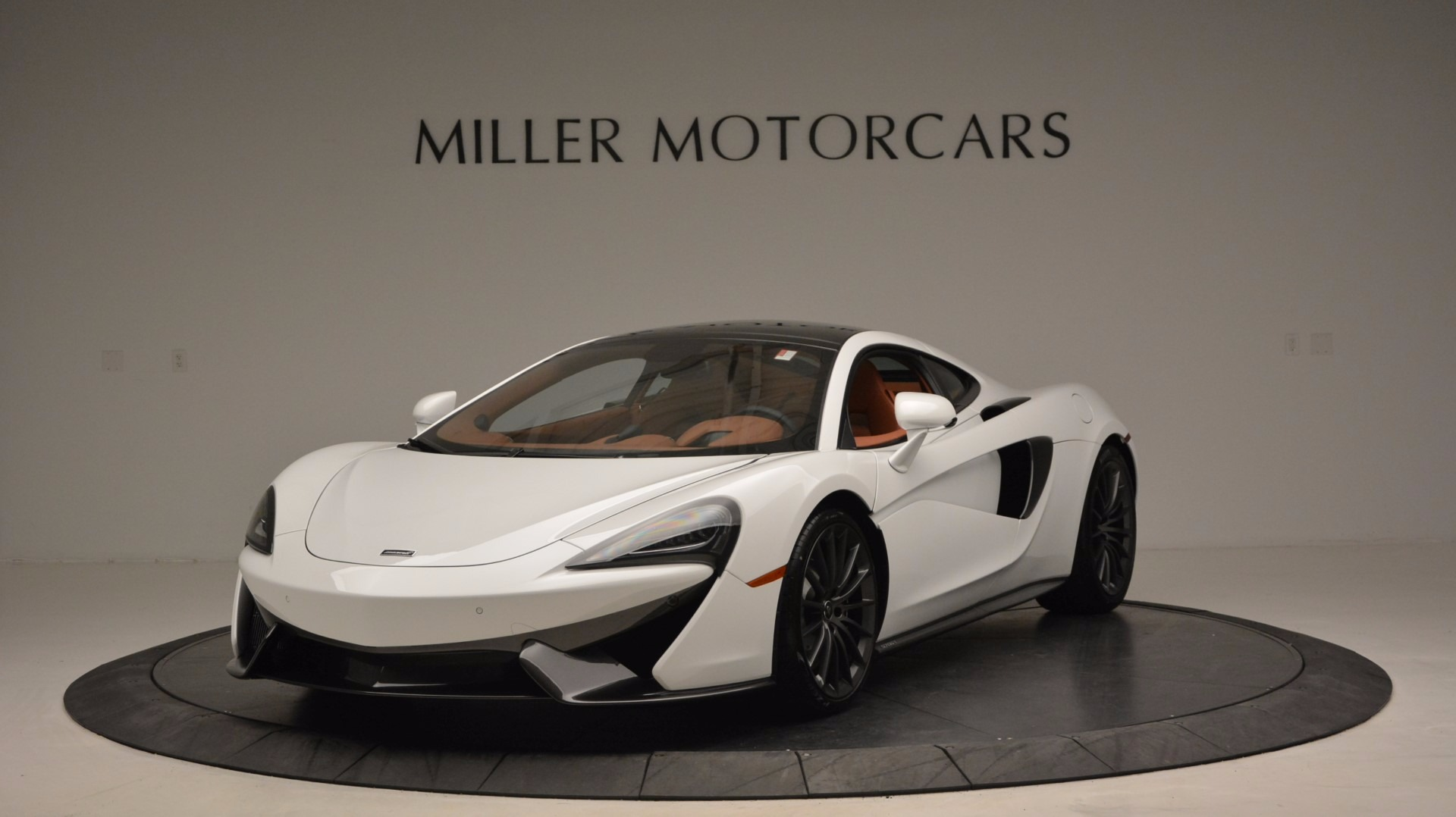 Used 2017 McLaren 570GT  For Sale In Greenwich, CT. Alfa Romeo of Greenwich, MC293 1074_main