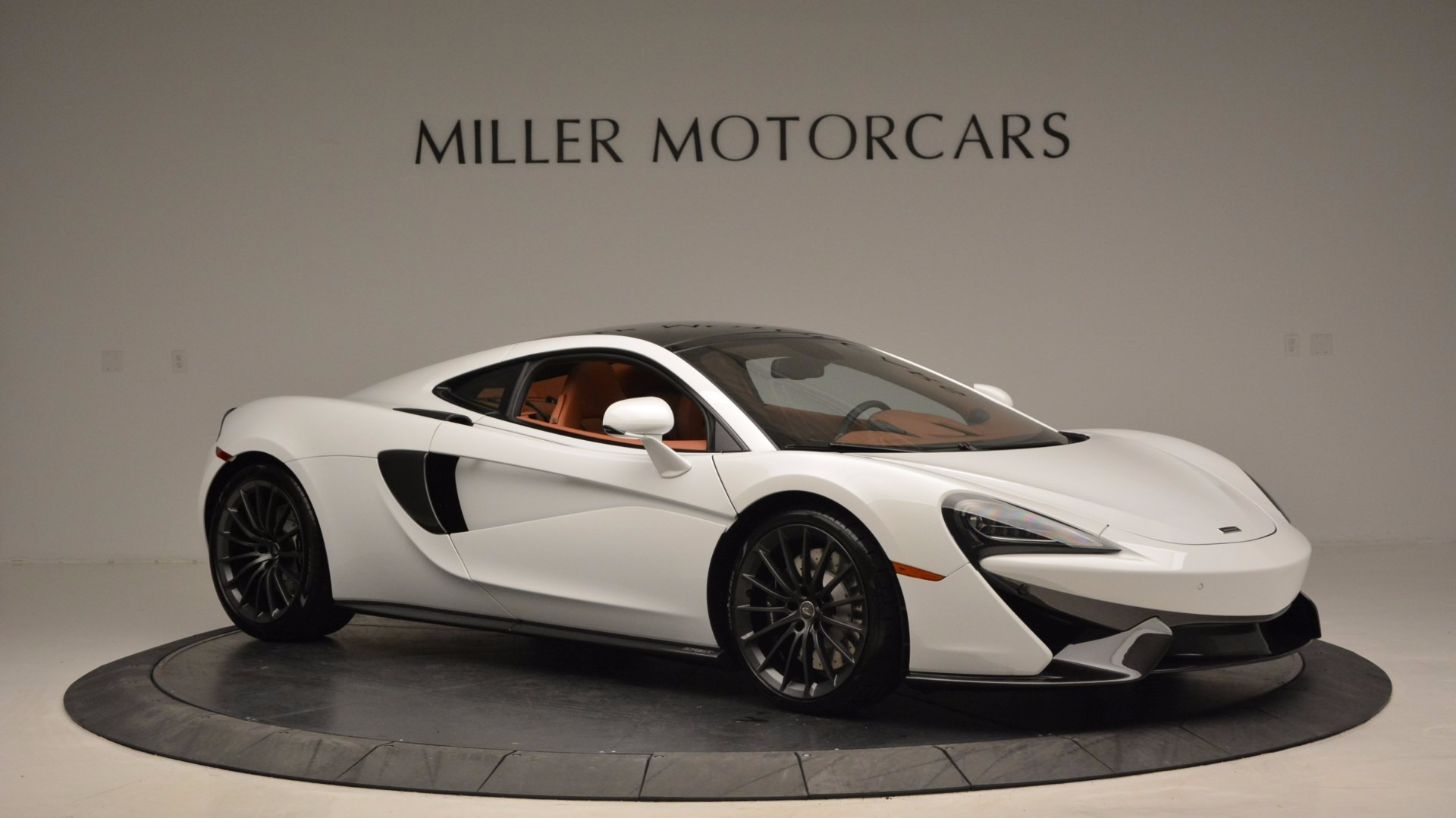 Used 2017 McLaren 570GT  For Sale In Greenwich, CT. Alfa Romeo of Greenwich, MC293 1074_p10