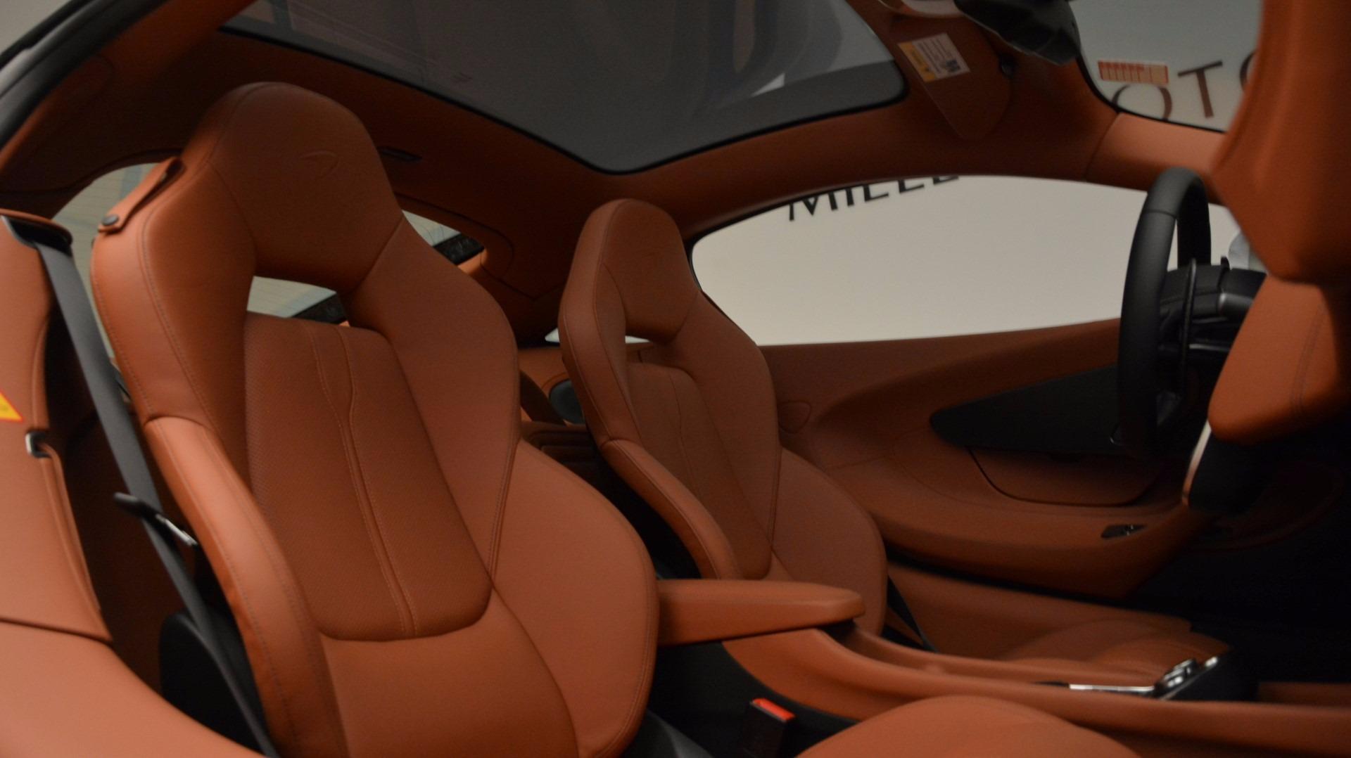 Used 2017 McLaren 570GT  For Sale In Greenwich, CT. Alfa Romeo of Greenwich, MC293 1074_p21