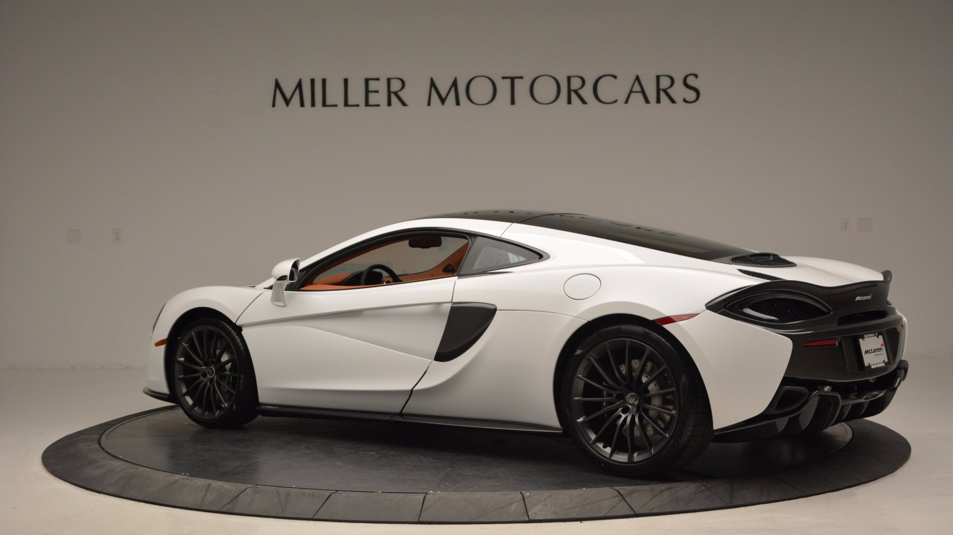 Used 2017 McLaren 570GT  For Sale In Greenwich, CT. Alfa Romeo of Greenwich, MC293 1074_p4