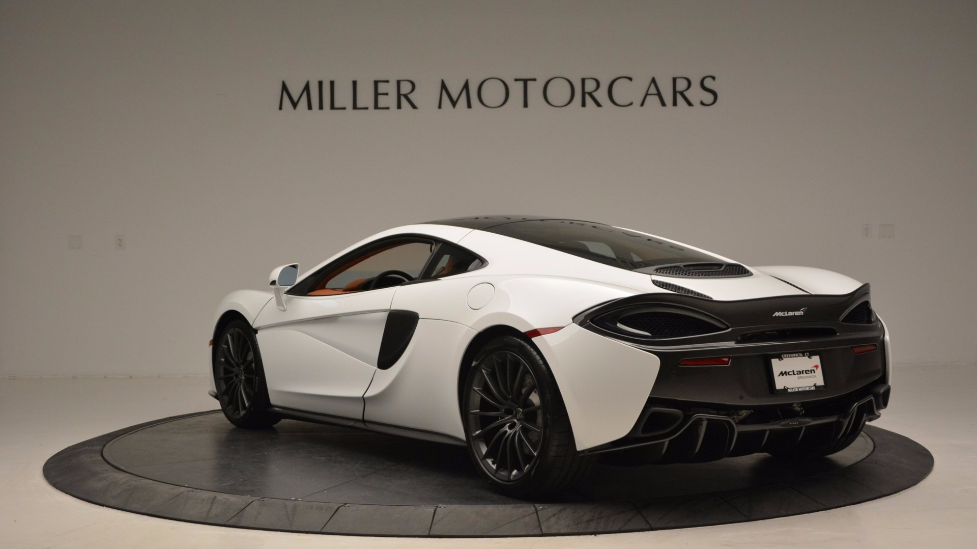 Used 2017 McLaren 570GT  For Sale In Greenwich, CT. Alfa Romeo of Greenwich, MC293 1074_p5