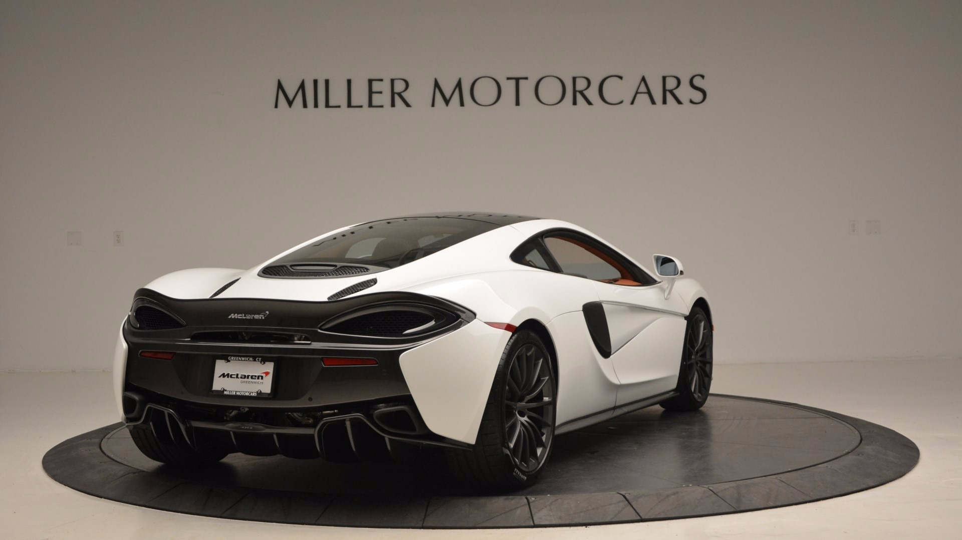 Used 2017 McLaren 570GT  For Sale In Greenwich, CT. Alfa Romeo of Greenwich, MC293 1074_p7