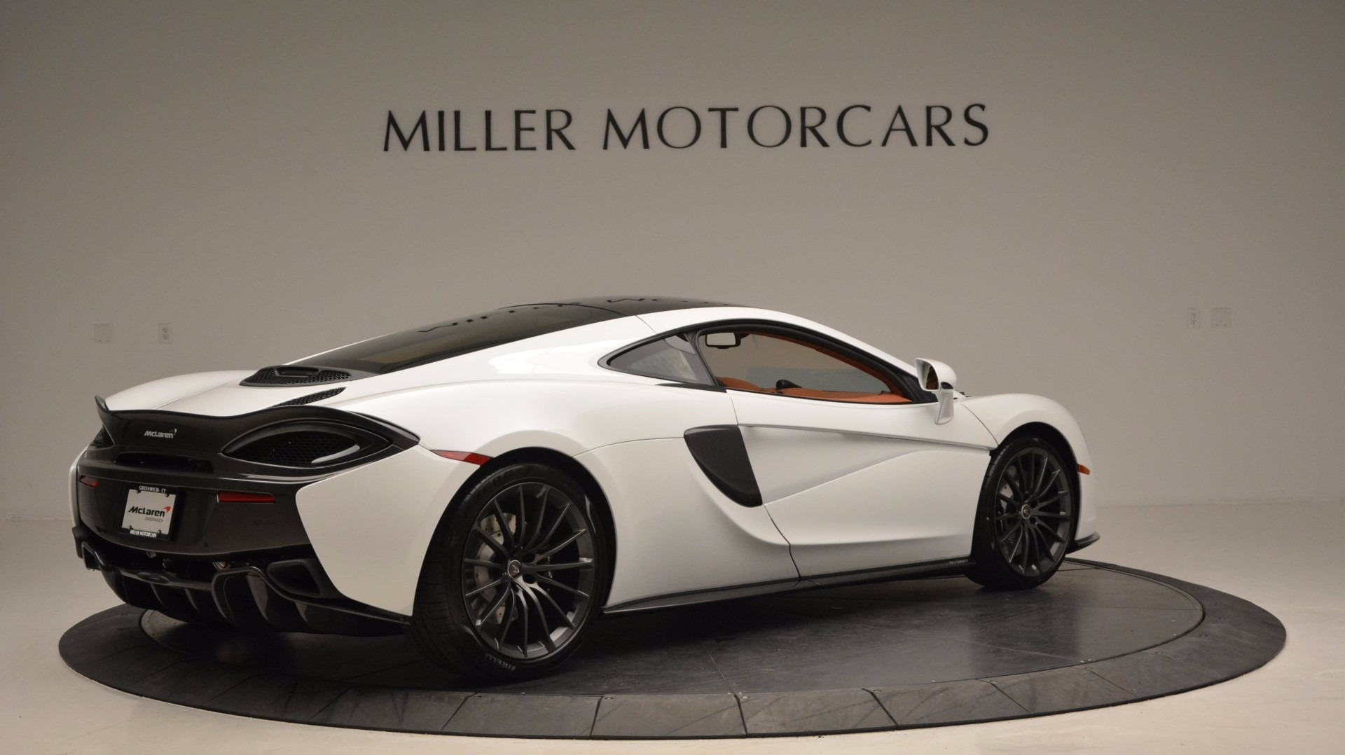 Used 2017 McLaren 570GT  For Sale In Greenwich, CT. Alfa Romeo of Greenwich, MC293 1074_p8