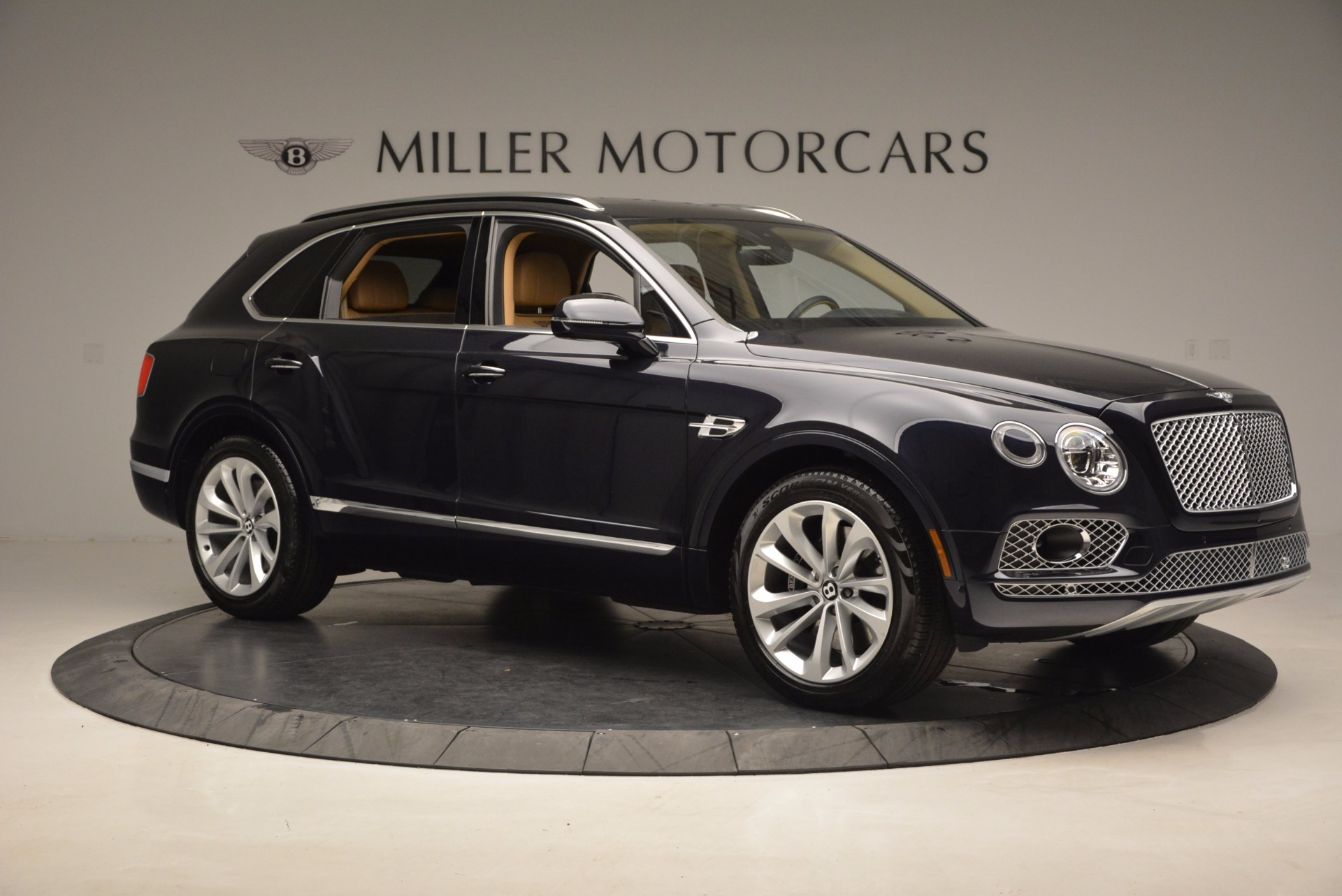 Used 2017 Bentley Bentayga W12 For Sale In Greenwich, CT. Alfa Romeo of Greenwich, M2166A 1077_p10
