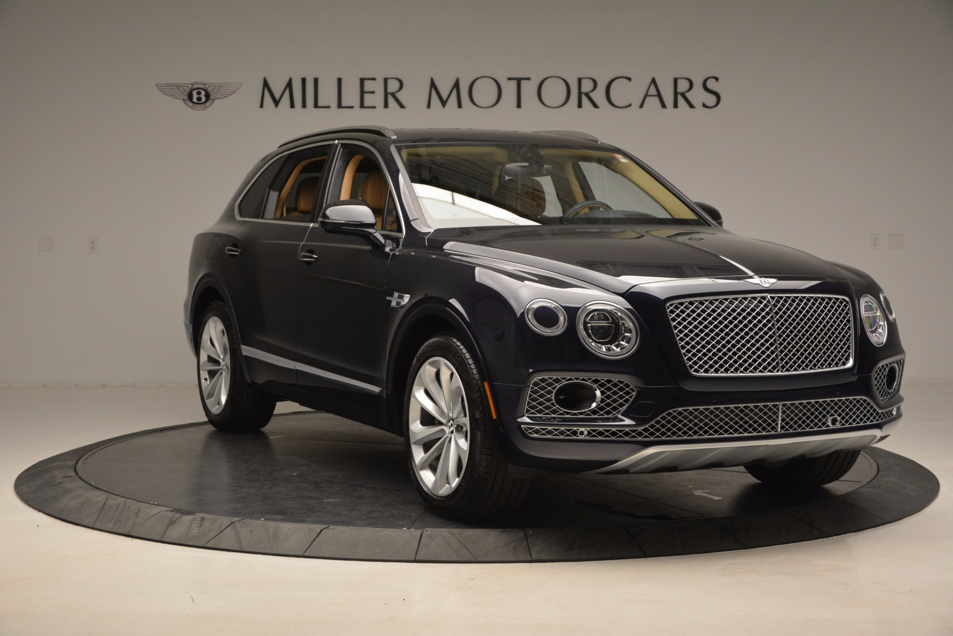 Used 2017 Bentley Bentayga W12 For Sale In Greenwich, CT. Alfa Romeo of Greenwich, M2166A 1077_p11