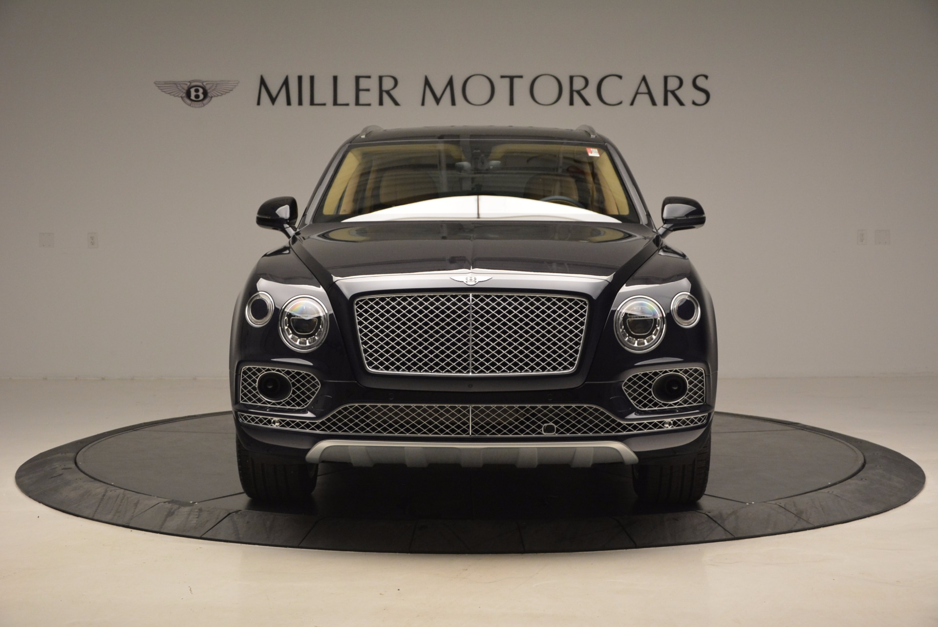 Used 2017 Bentley Bentayga W12 For Sale In Greenwich, CT. Alfa Romeo of Greenwich, M2166A 1077_p12