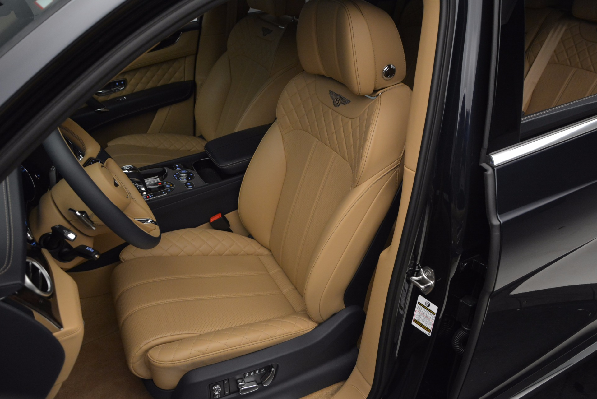 Used 2017 Bentley Bentayga W12 For Sale In Greenwich, CT. Alfa Romeo of Greenwich, M2166A 1077_p18
