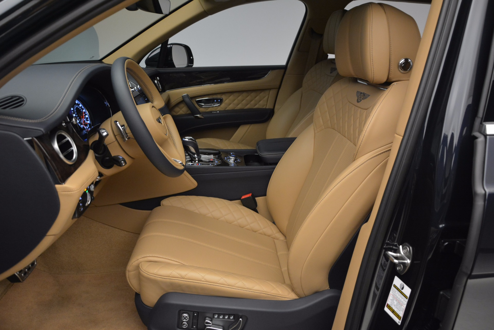 Used 2017 Bentley Bentayga W12 For Sale In Greenwich, CT. Alfa Romeo of Greenwich, M2166A 1077_p19