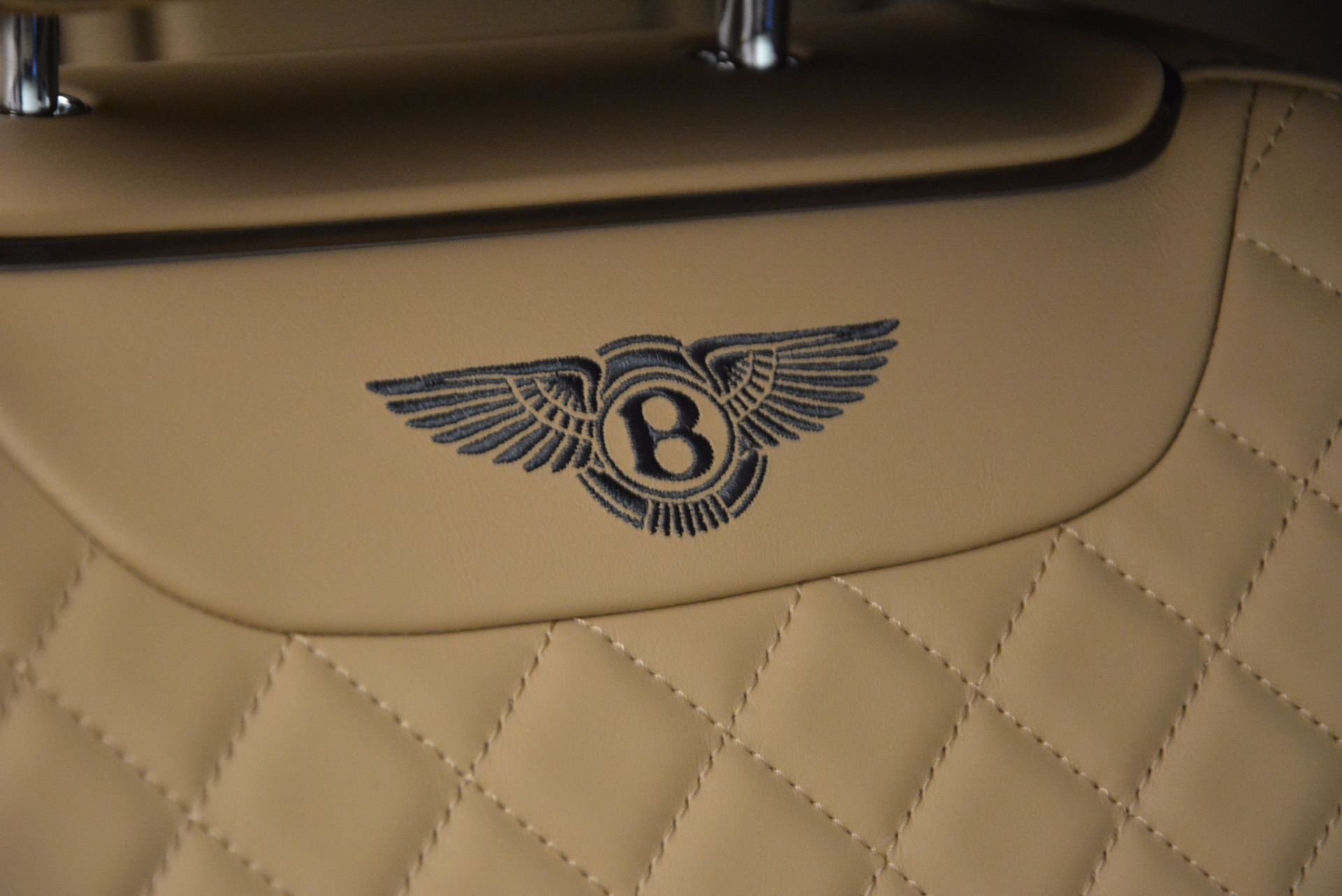 Used 2017 Bentley Bentayga W12 For Sale In Greenwich, CT. Alfa Romeo of Greenwich, M2166A 1077_p21